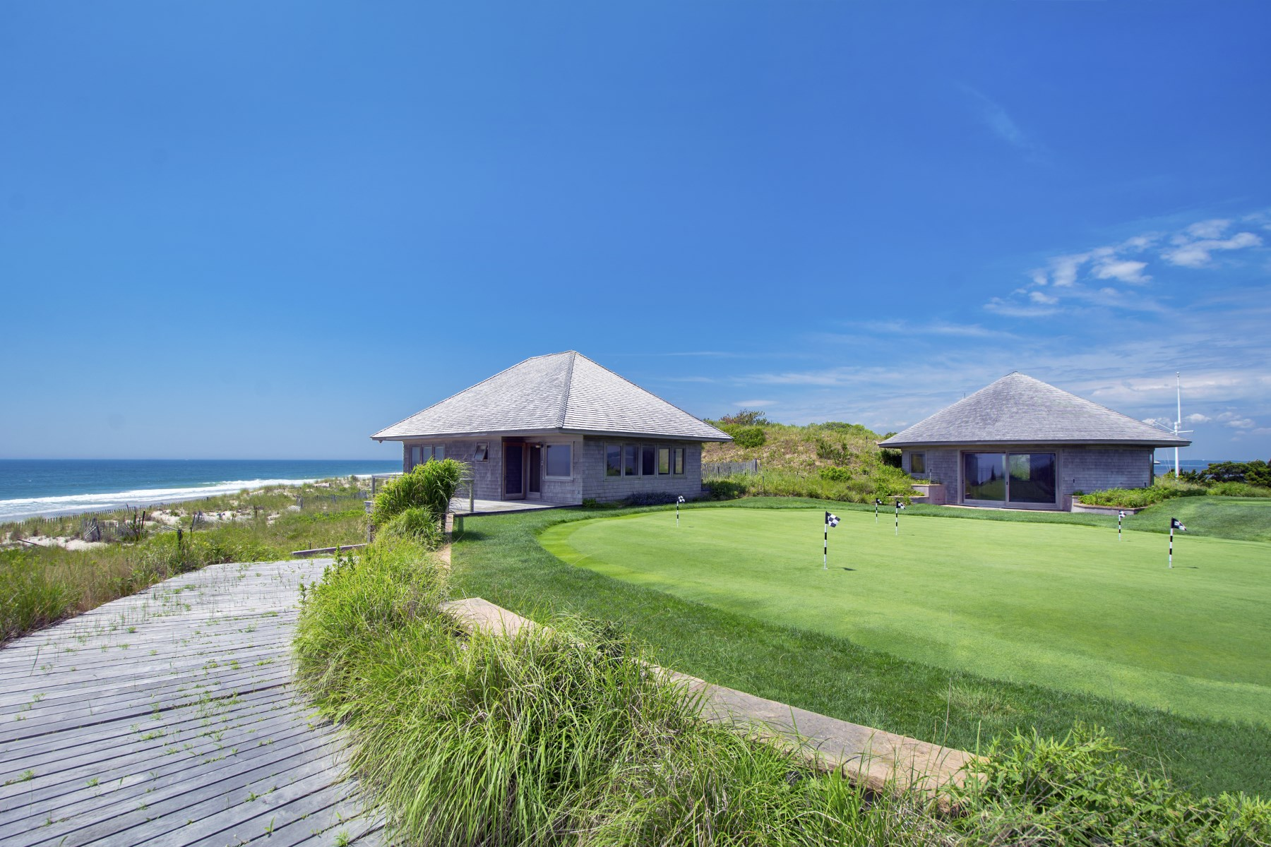 Additional photo for property listing at Meadow Lane Oceanfront Like No Other  Southampton, New York 11968