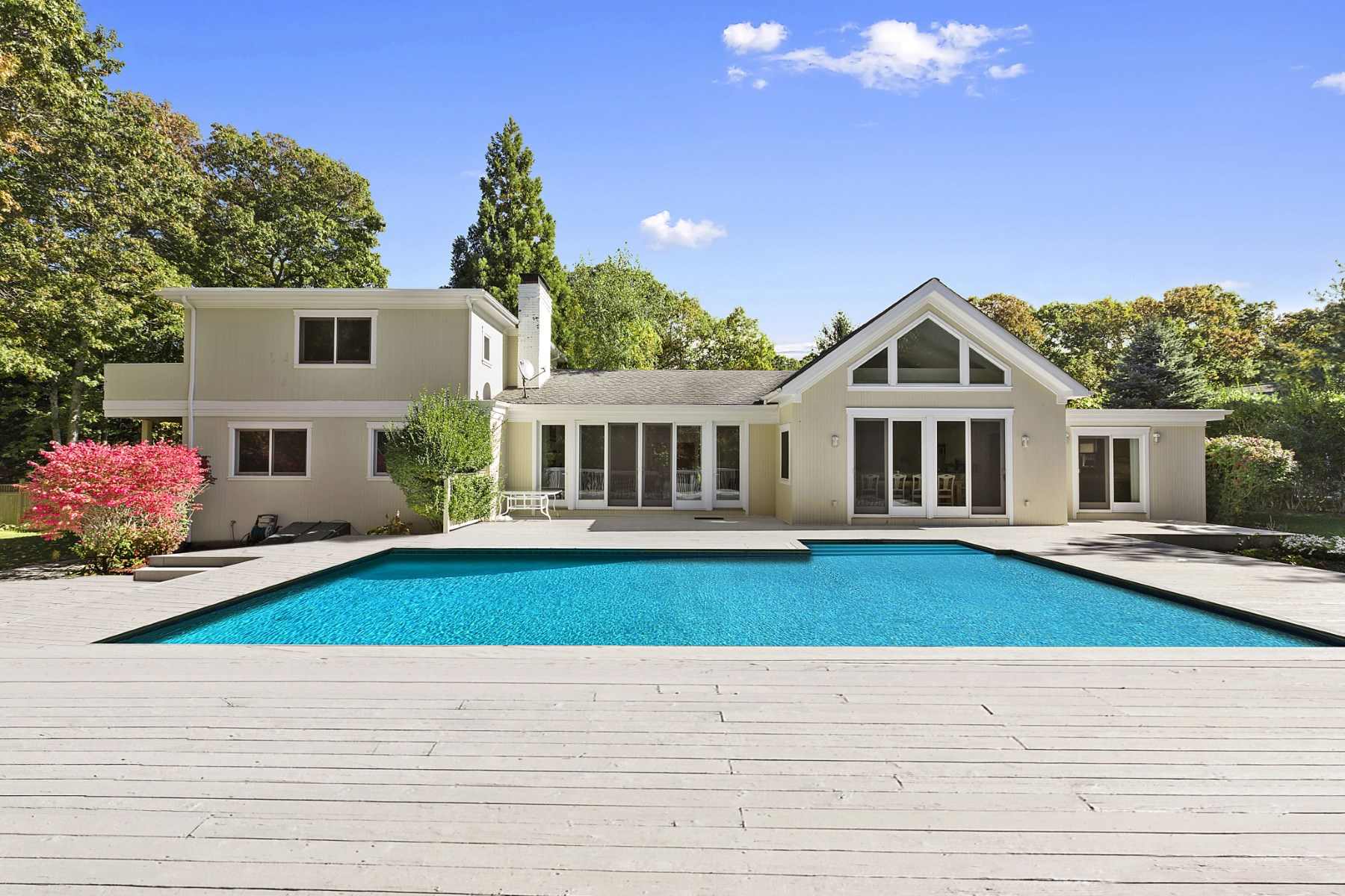 Single Family Home for Rent at Beautiful Landfall Contemporary East Hampton, New York 11937 United States