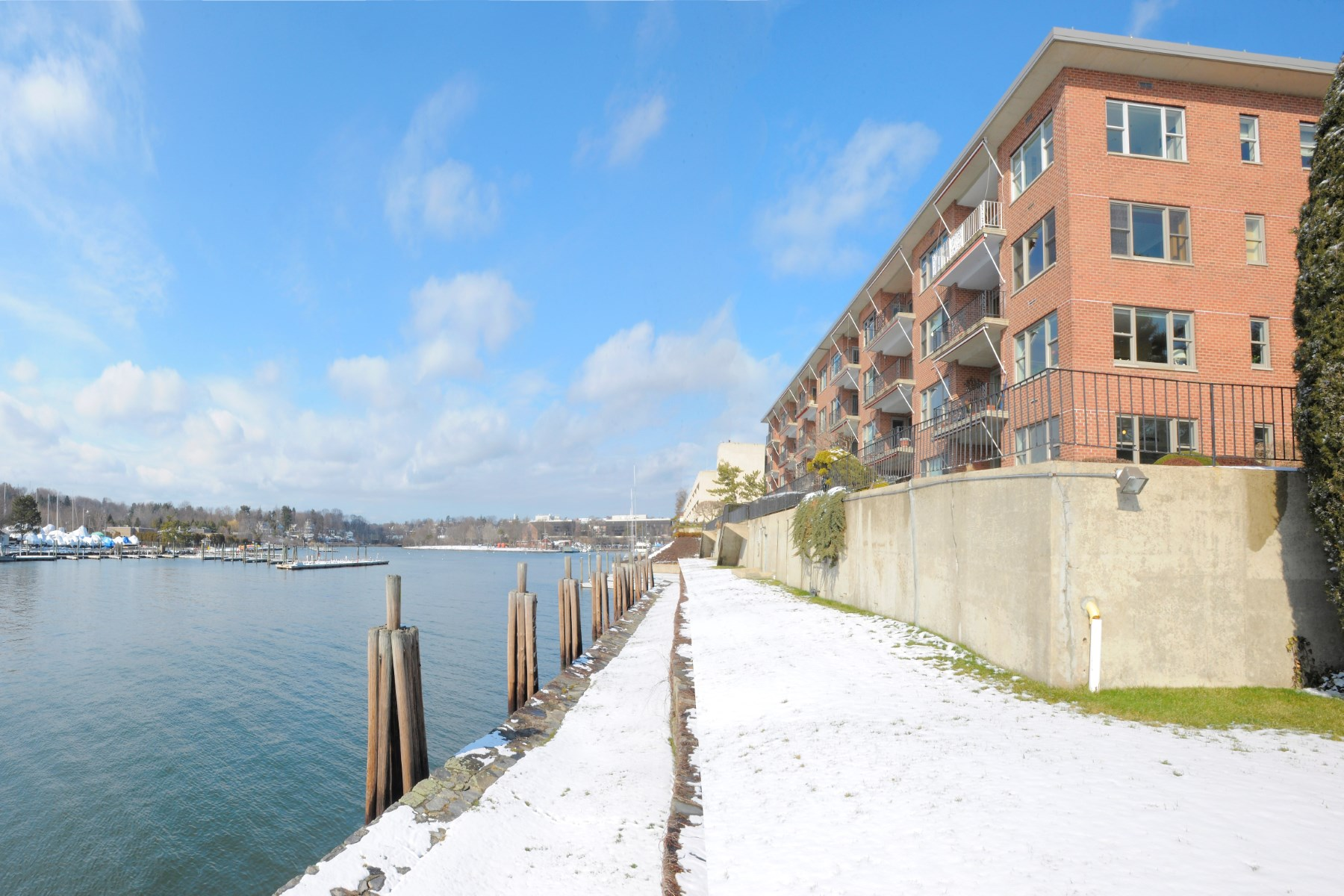 Co-op for Sale at Waterfront Co-Op Greenwich, Connecticut, 06830 United States