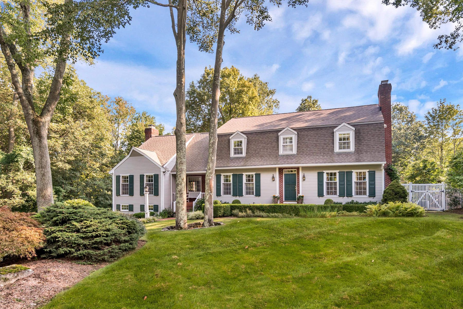 Maison unifamiliale pour l Vente à 4 Arrowhead Lane 4 Arrowhead Lane Cos Cob, Connecticut 06807 États-Unis