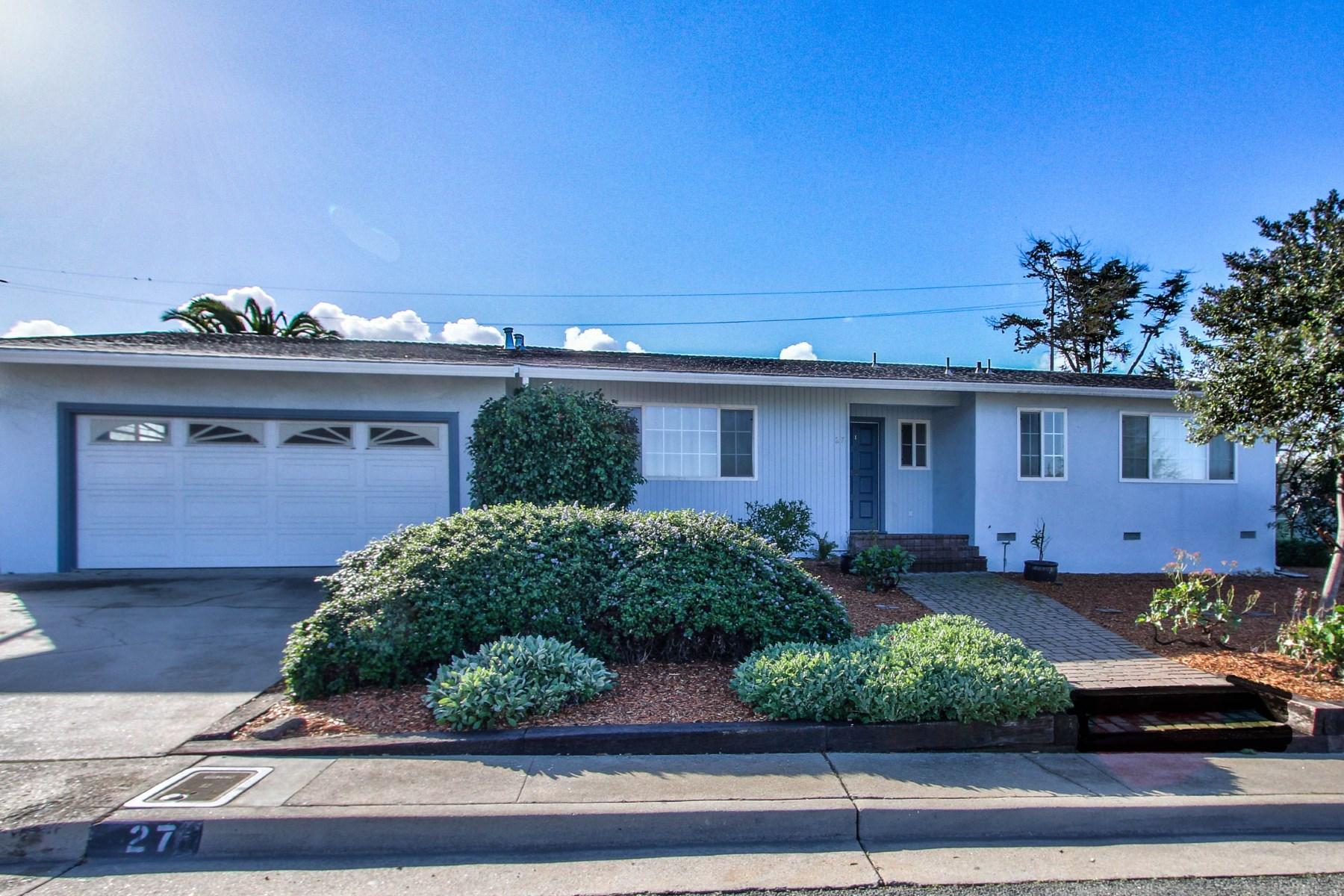 Vivienda unifamiliar por un Venta en Upper Seaside Cul-de-Sac 27 Stowe Court Seaside, California, 93955 Estados Unidos