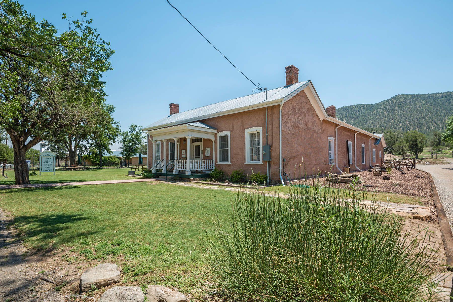 独户住宅 为 销售 在 826 Hwy 380 林肯, 新墨西哥州, 88338 美国