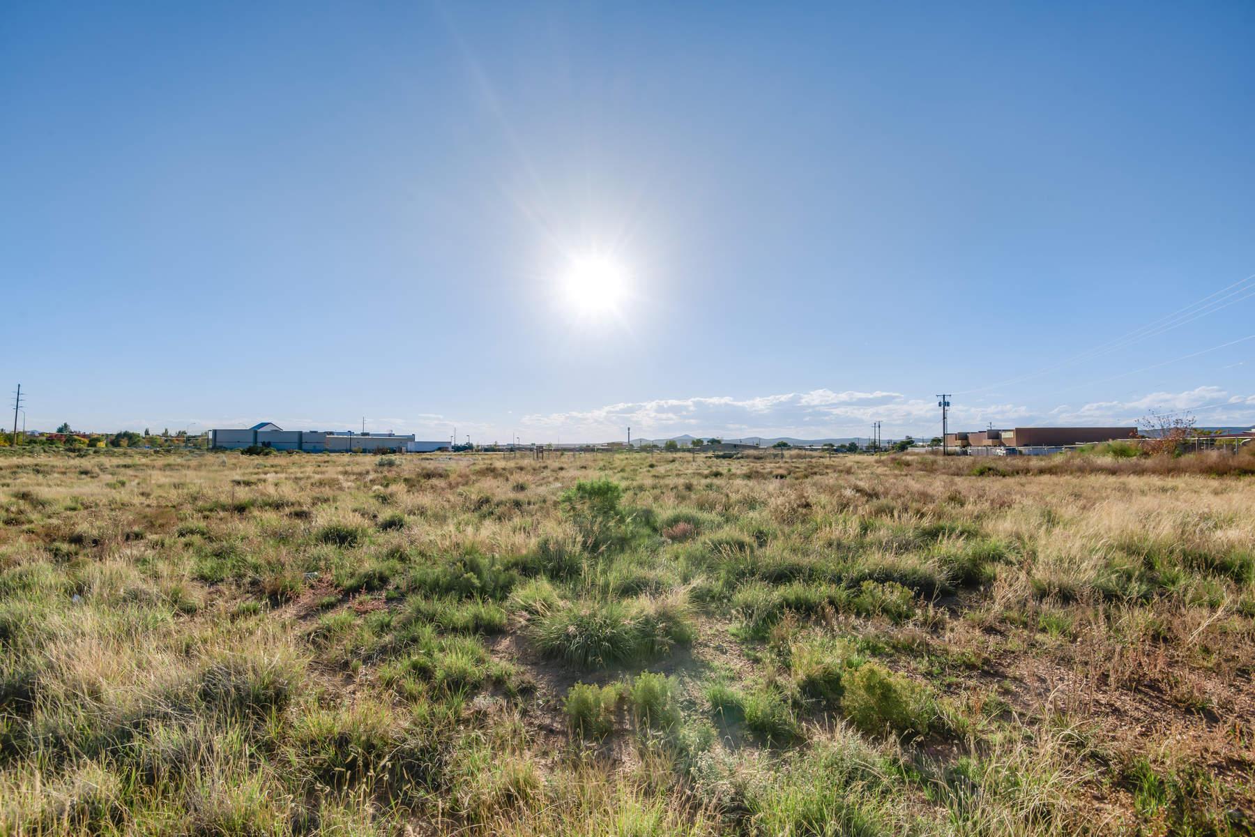 土地,用地 为 销售 在 7517 Gooney Bird Way 圣达非, 新墨西哥州, 87507 美国