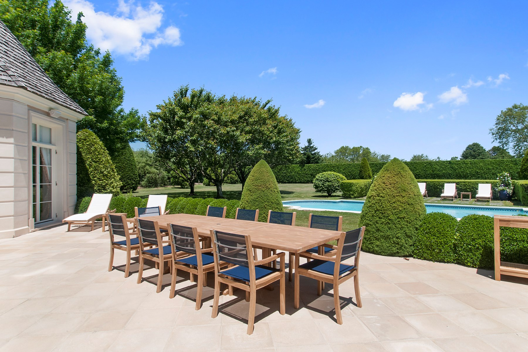 Additional photo for property listing at Bridgehampton South Near Ocean Beach  Bridgehampton, New York 11932 United States