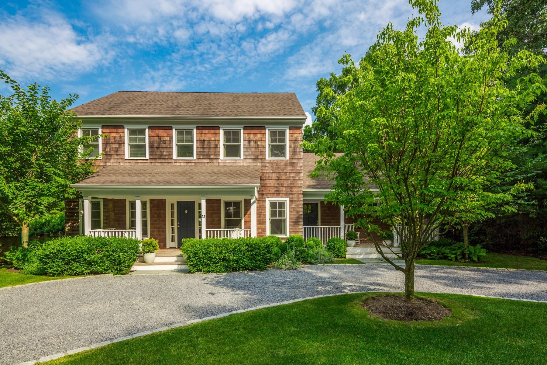 단독 가정 주택 용 매매 에 Shingled Designer Cottage 32 Milina Dr, East Hampton, 뉴욕, 11937 미국