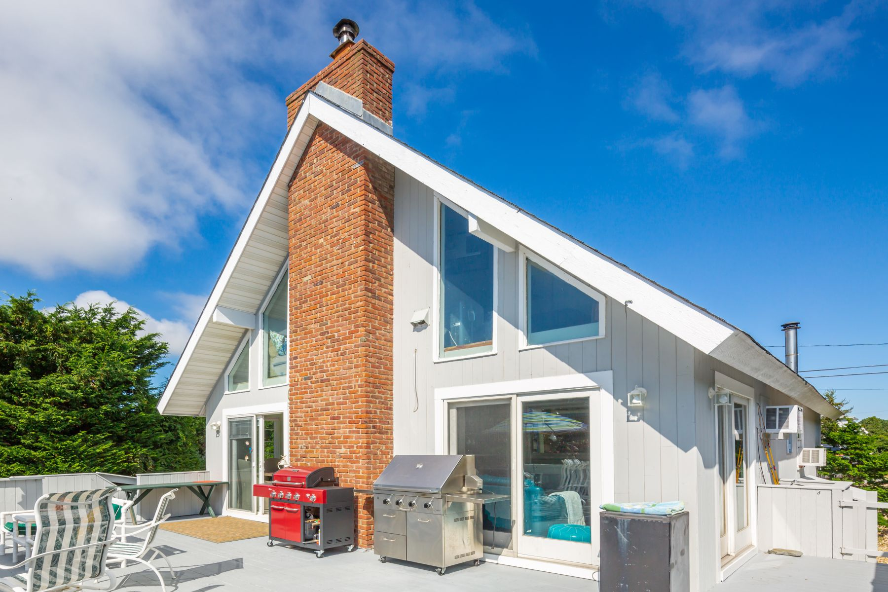 Single Family Home for Active at Dunes Beach Cottage 48 Leeton Road Amagansett, New York 11930 United States