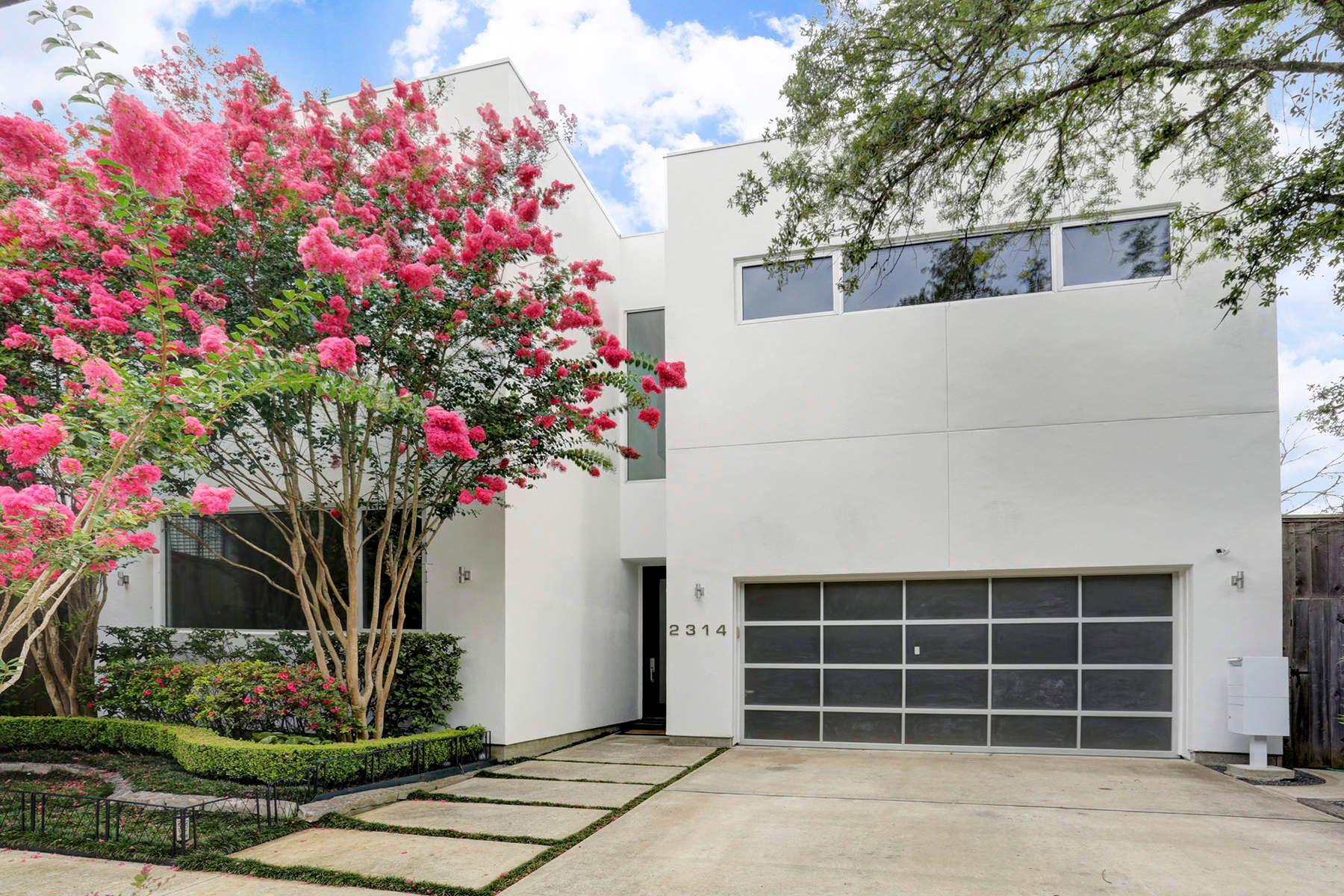 واحد منزل الأسرة للـ Sale في 2314 McDuffie Street Houston, Texas, 77019 United States