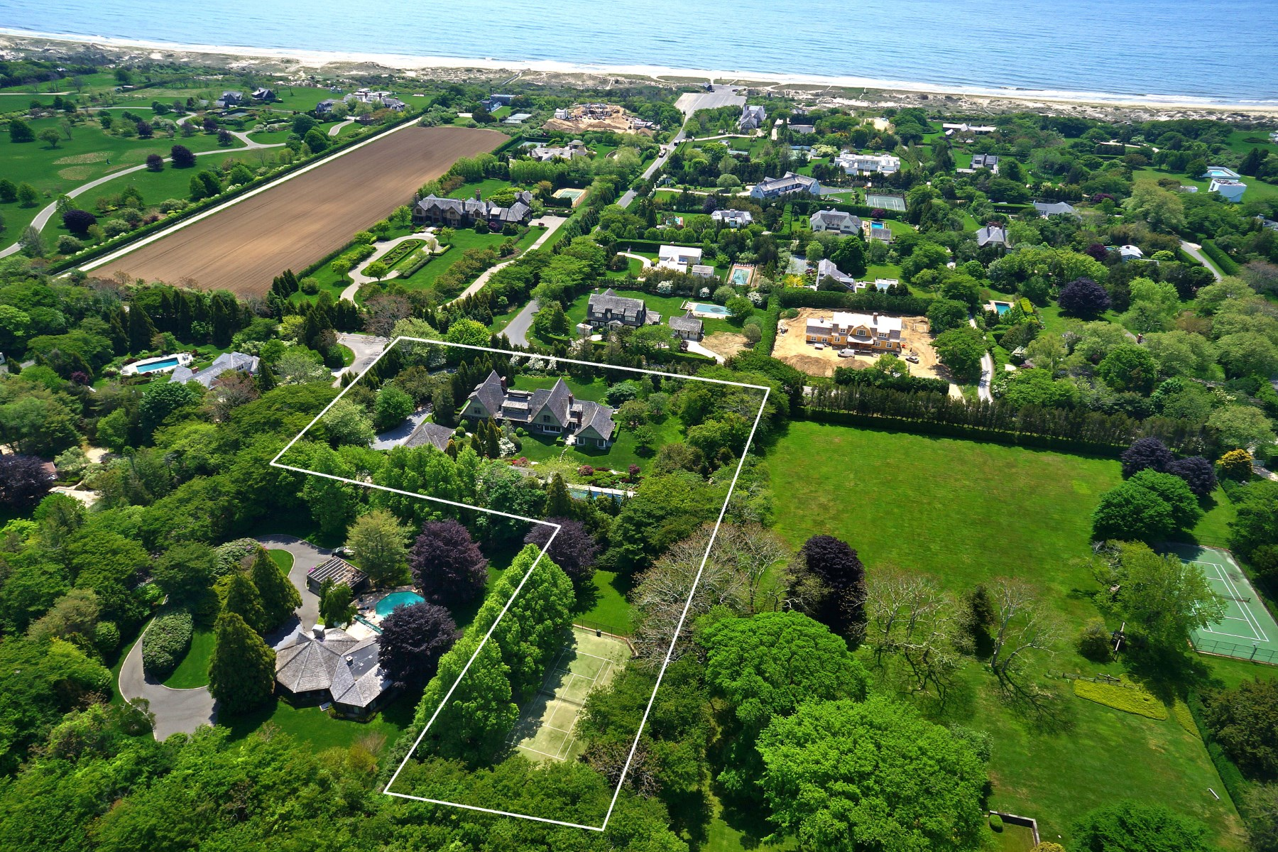 Additional photo for property listing at East Hampton Estate Area  East Hampton, New York 11937 United States