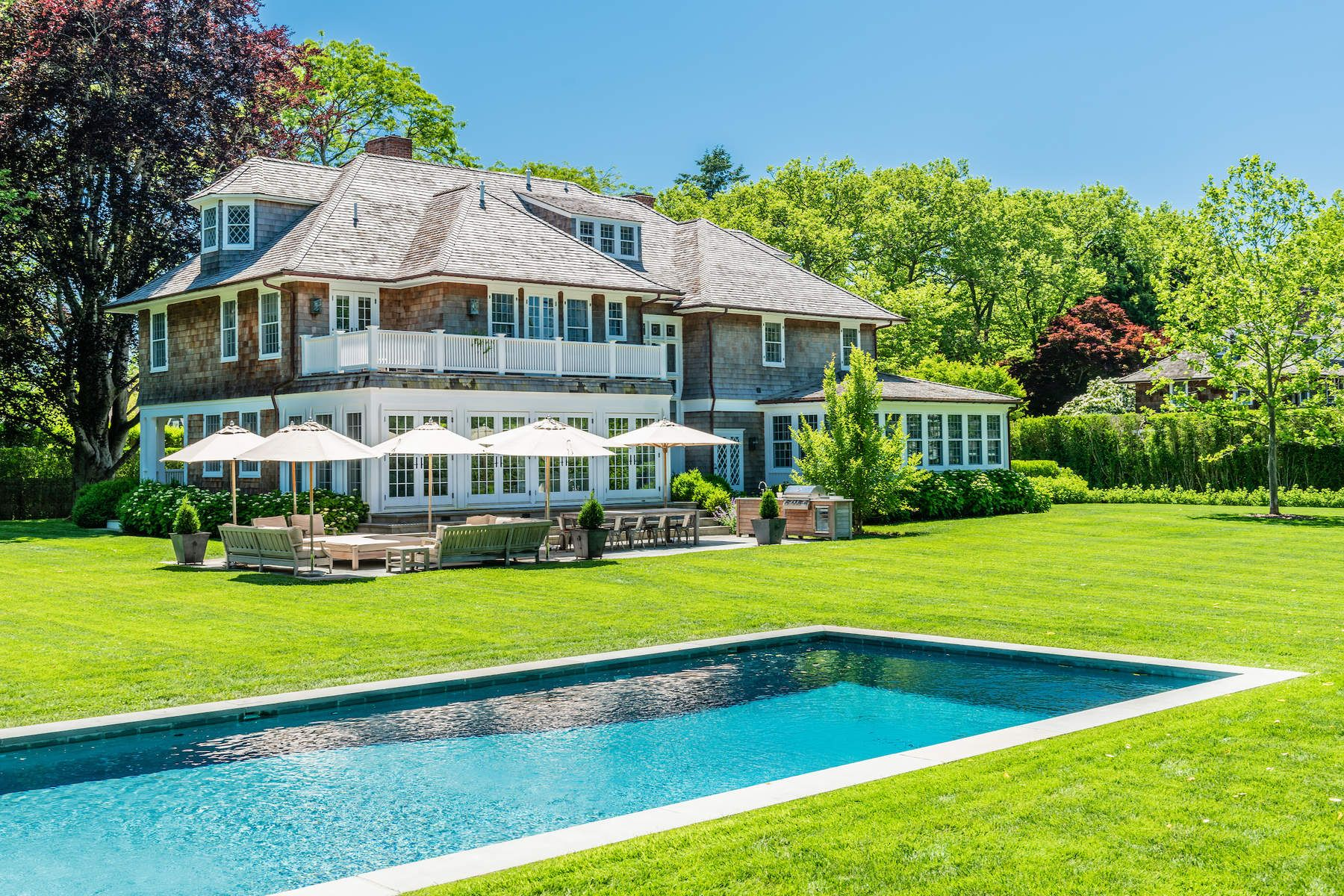 Single Family Home for Active at Stylishly Updated East Hampton Estate 62 Dunemere Lane East Hampton, New York 11937 United States