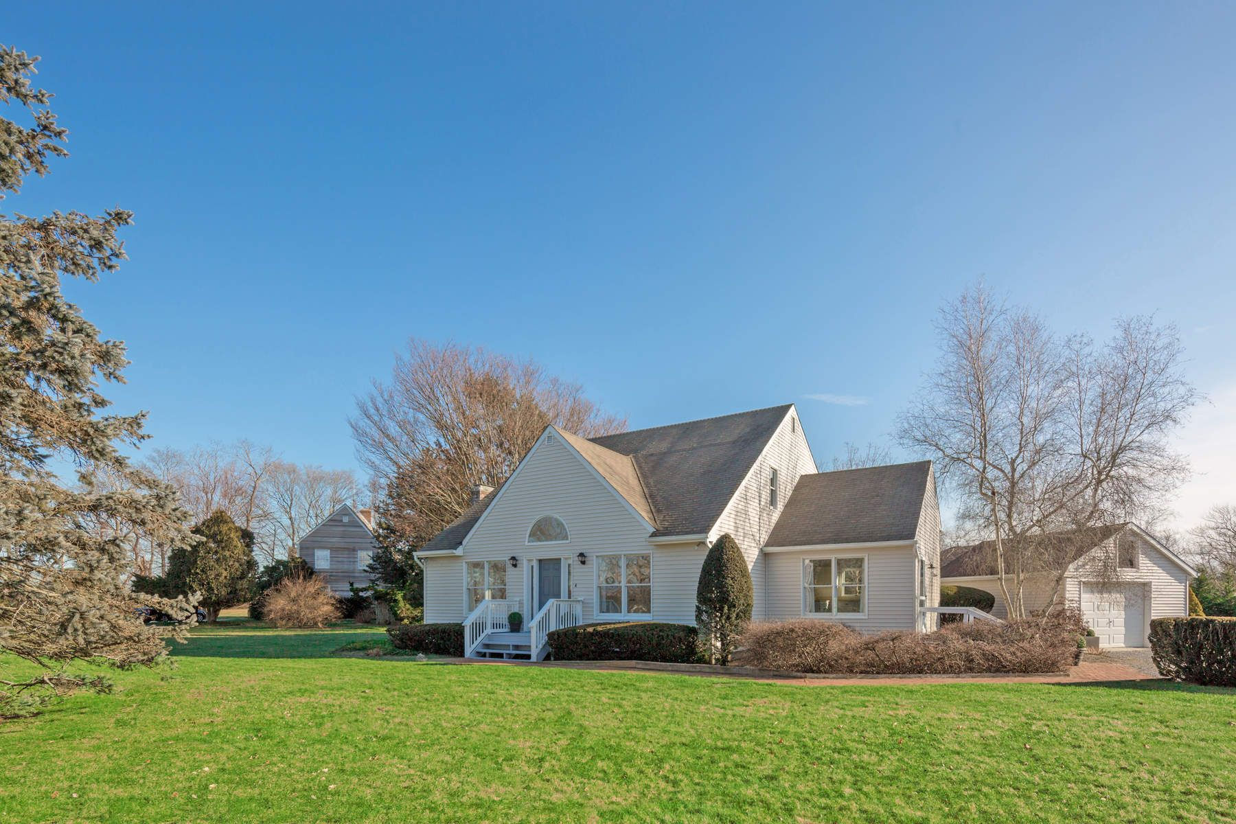 Single Family Home for Sale at Great Investment Potential 4 Flying Point Road, Southampton, New York, 11968 United States