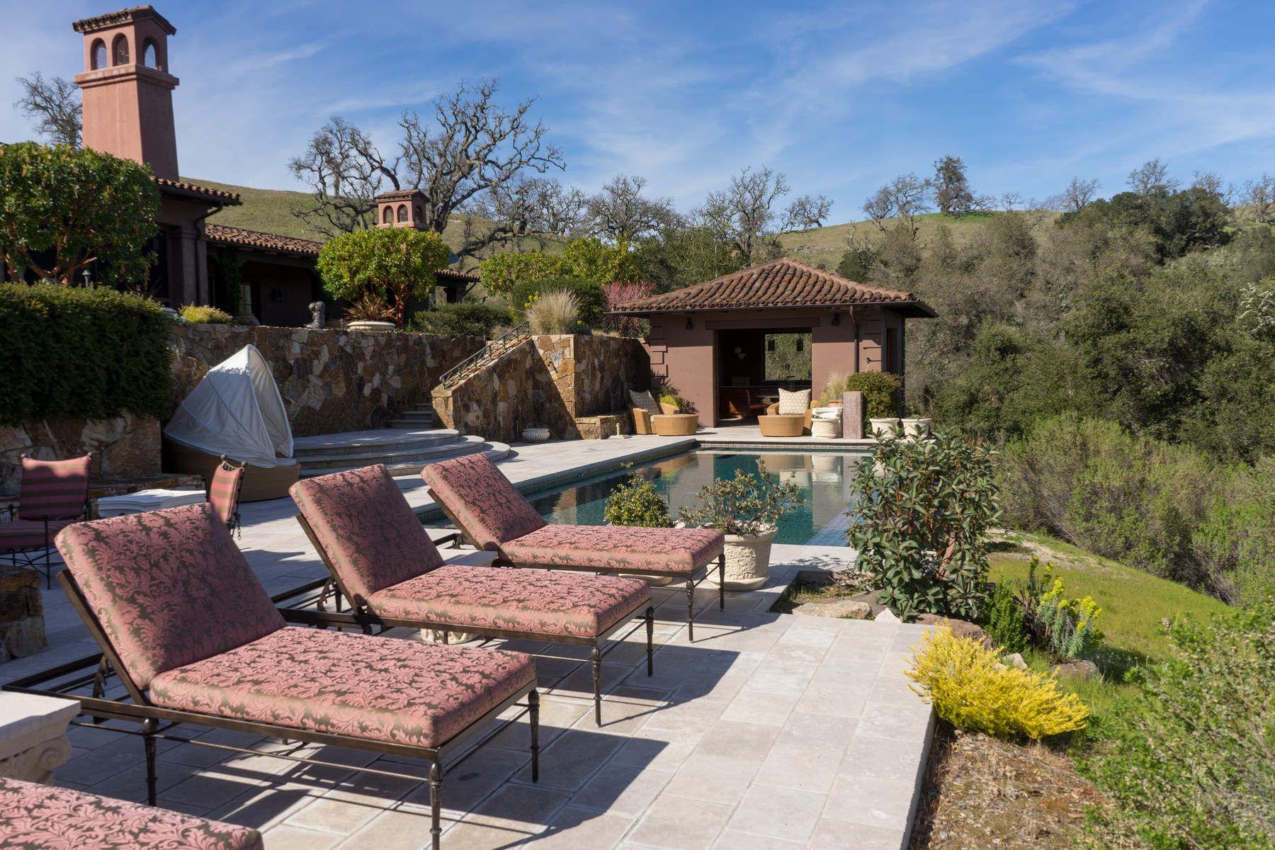 Single Family Homes por un Venta en Private Hacienda Retreat 39 Pronghorn Run Carmel, California 93923 Estados Unidos