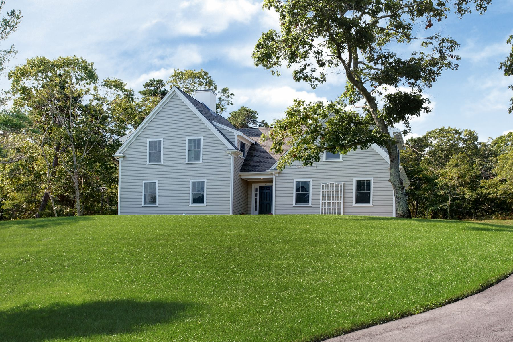 Single Family Homes for Sale at 5 Brewster Lane, Sandwich 5 Brewster Lane Sandwich, Massachusetts 02563 United States