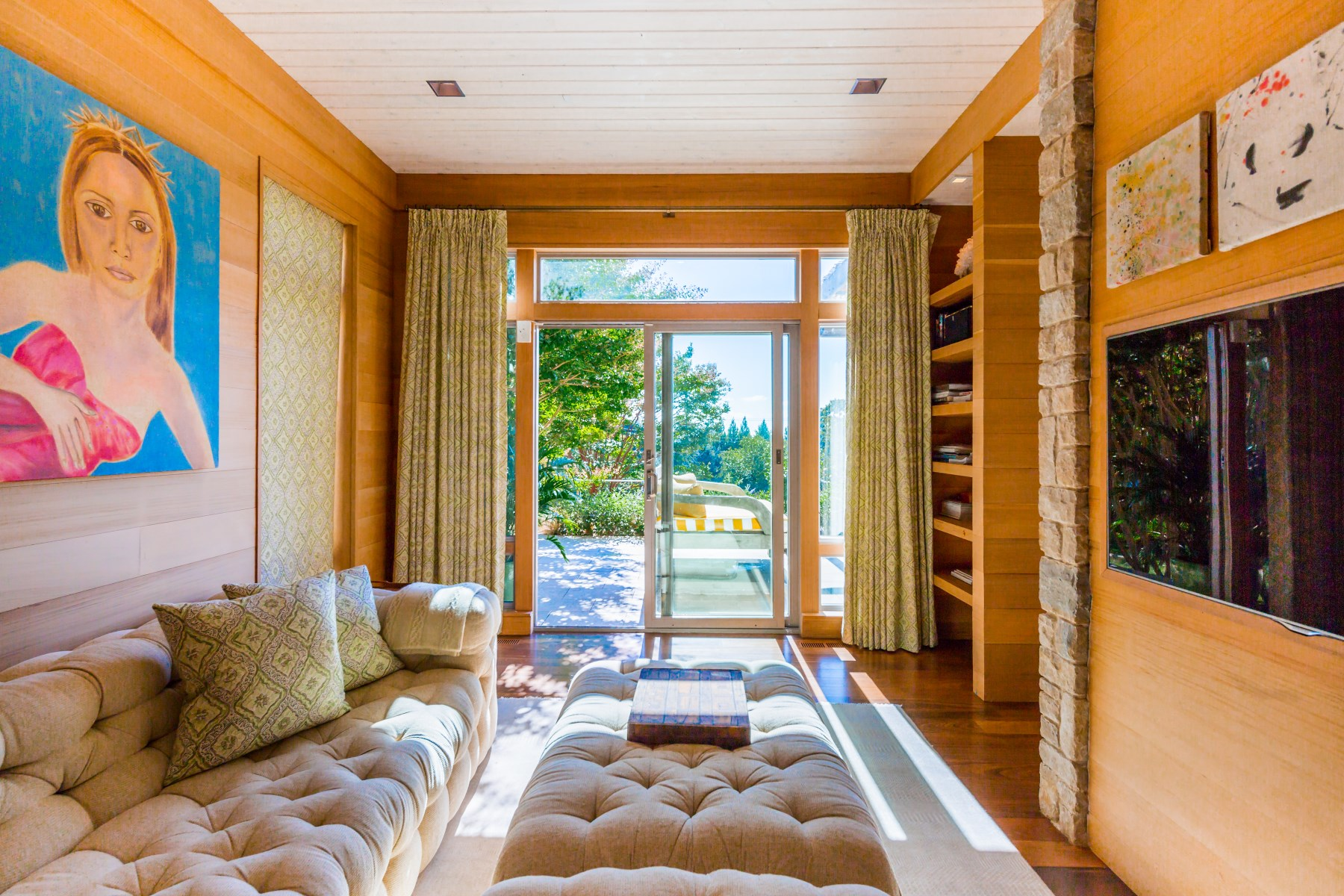 Additional photo for property listing at Art & Home 6 Birch Drive Montauk, New York 11954 United States
