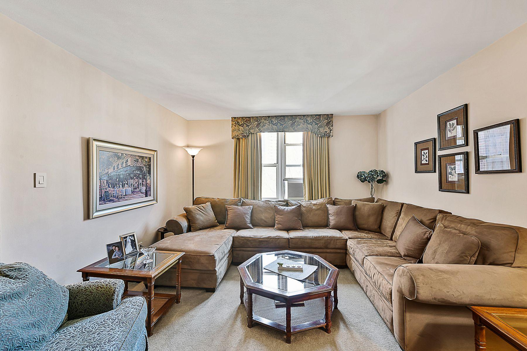 Co-op Properties für Verkauf beim 5640 Netherland Avenue, Apt. 5G 5640 Netherland Avenue Apt 5G, Riverdale, New York 10471 Vereinigte Staaten