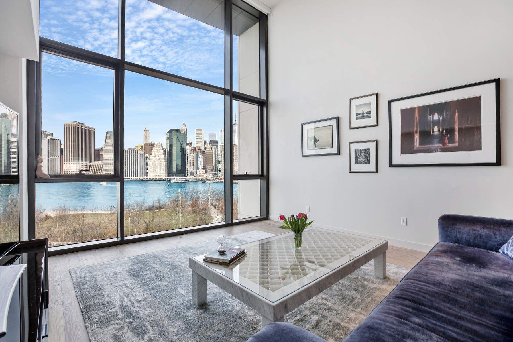 共管式独立产权公寓 为 销售 在 Massive 1 Bed Duplex - Views on Views 90 Furman Street Apt N801 布鲁克林, 纽约州 11201 美国