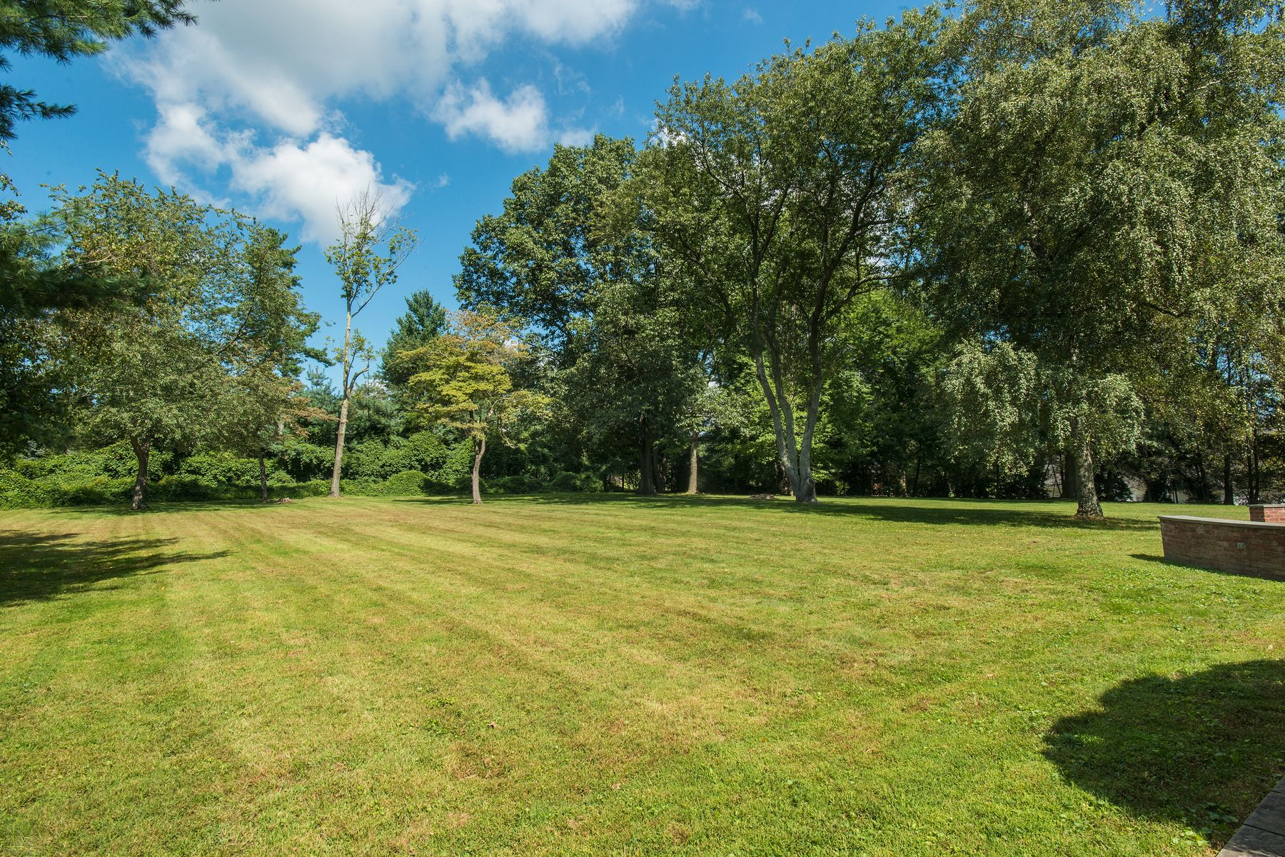 Land for Sale at 33 Meadowcroft Lane(Land) 33 Meadowcroft Lane Lot A Greenwich, Connecticut 06830 United States