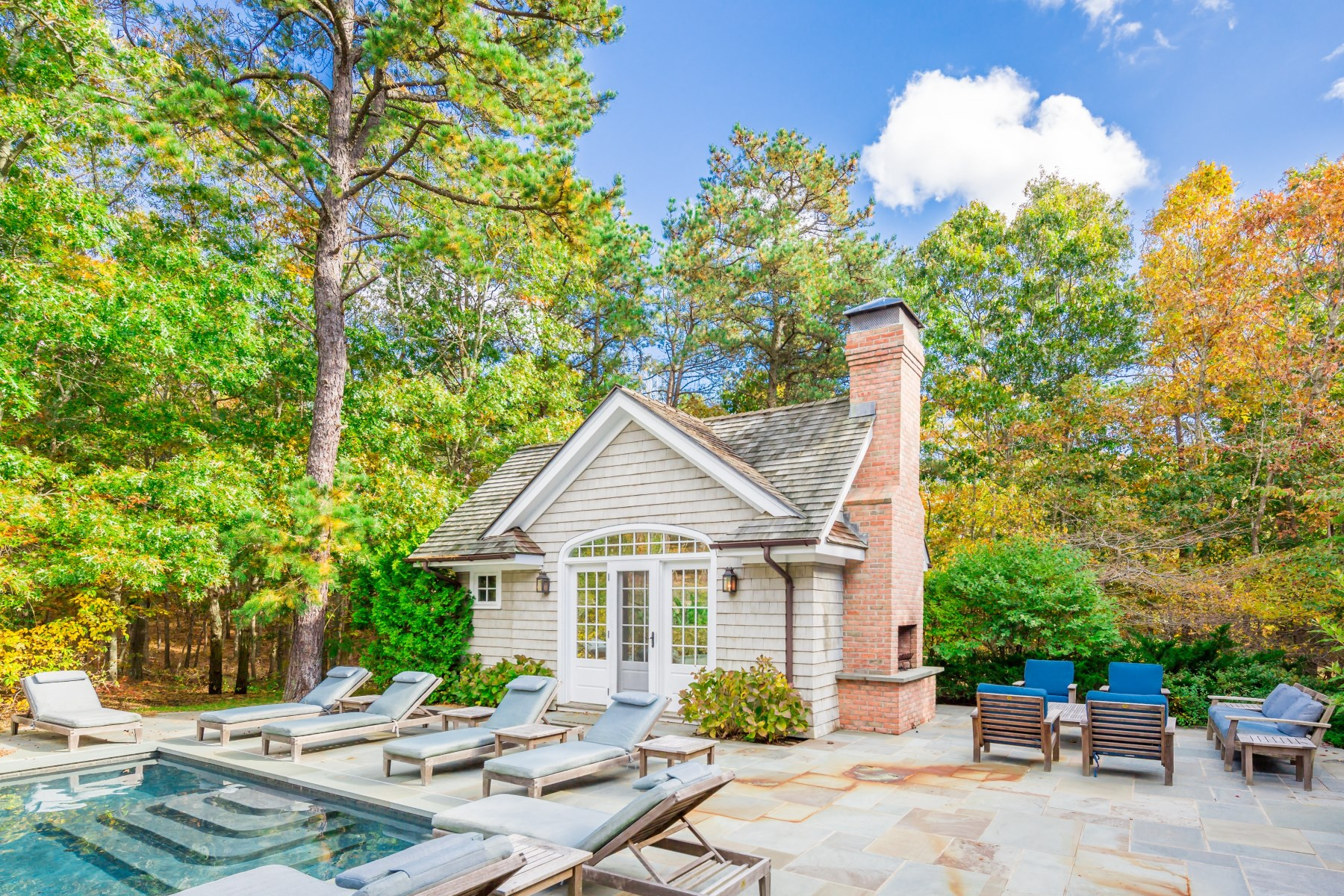 Additional photo for property listing at A Very Special Property 295 Little Noyac Path Water Mill, New York 11976 United States