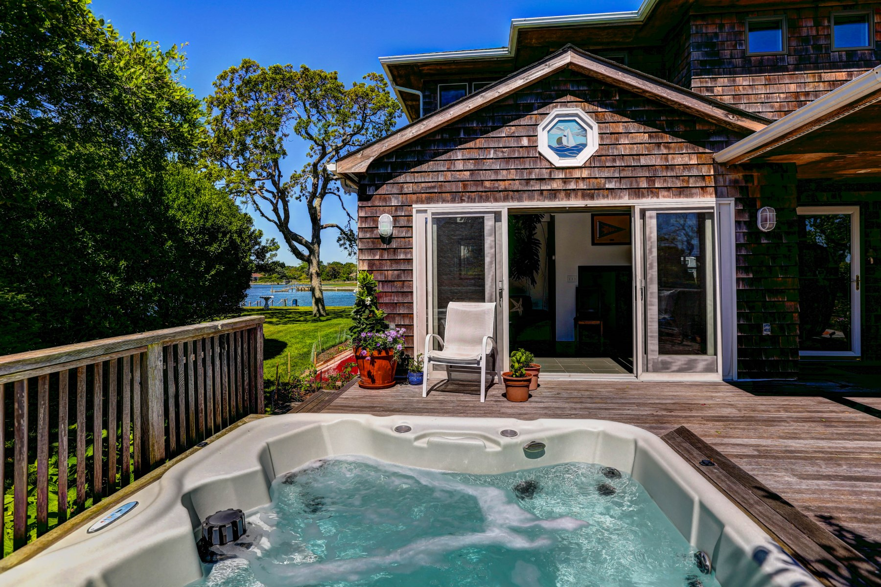 Additional photo for property listing at Sunsets on the Water  Southampton, New York 11968 United States