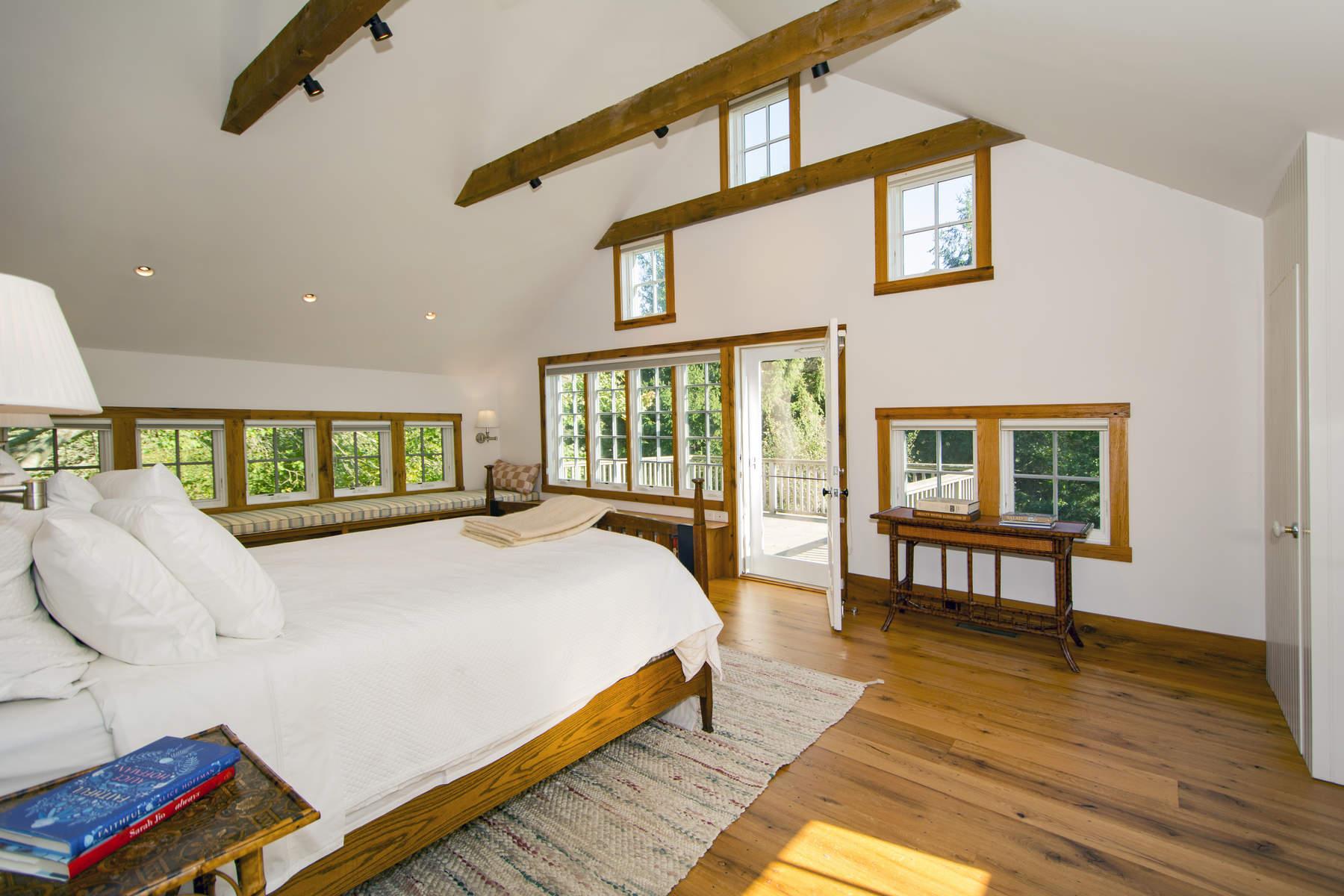 Additional photo for property listing at The Barns At Sagaponack 544 Hedges Lane Sagaponack, New York 11962 United States