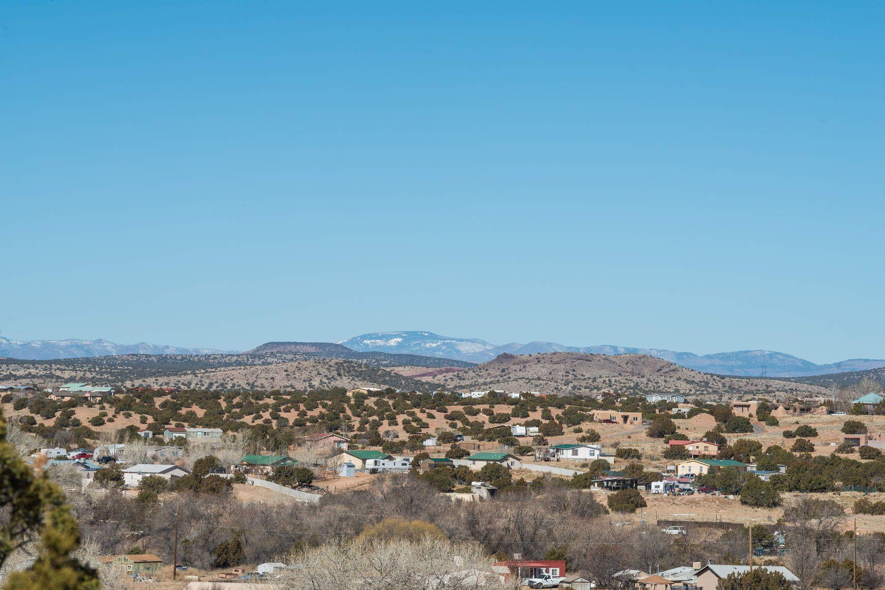 独户住宅 为 销售 在 35 S. Paseo De Angle 35 Paseo De Angel S, 圣达非, 新墨西哥州, 87507 美国