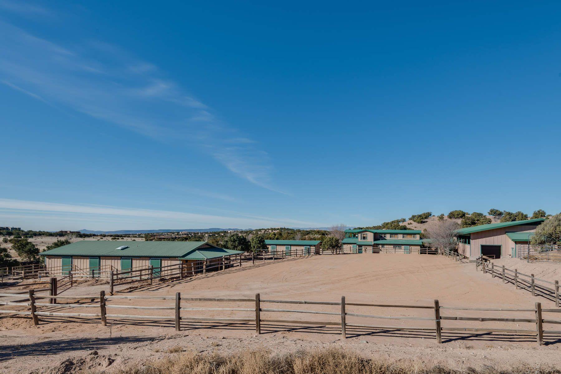 独户住宅 为 销售 在 10B Heartstone Drive Santa Fe City Northwest, 圣达非, 新墨西哥州, 87506 美国
