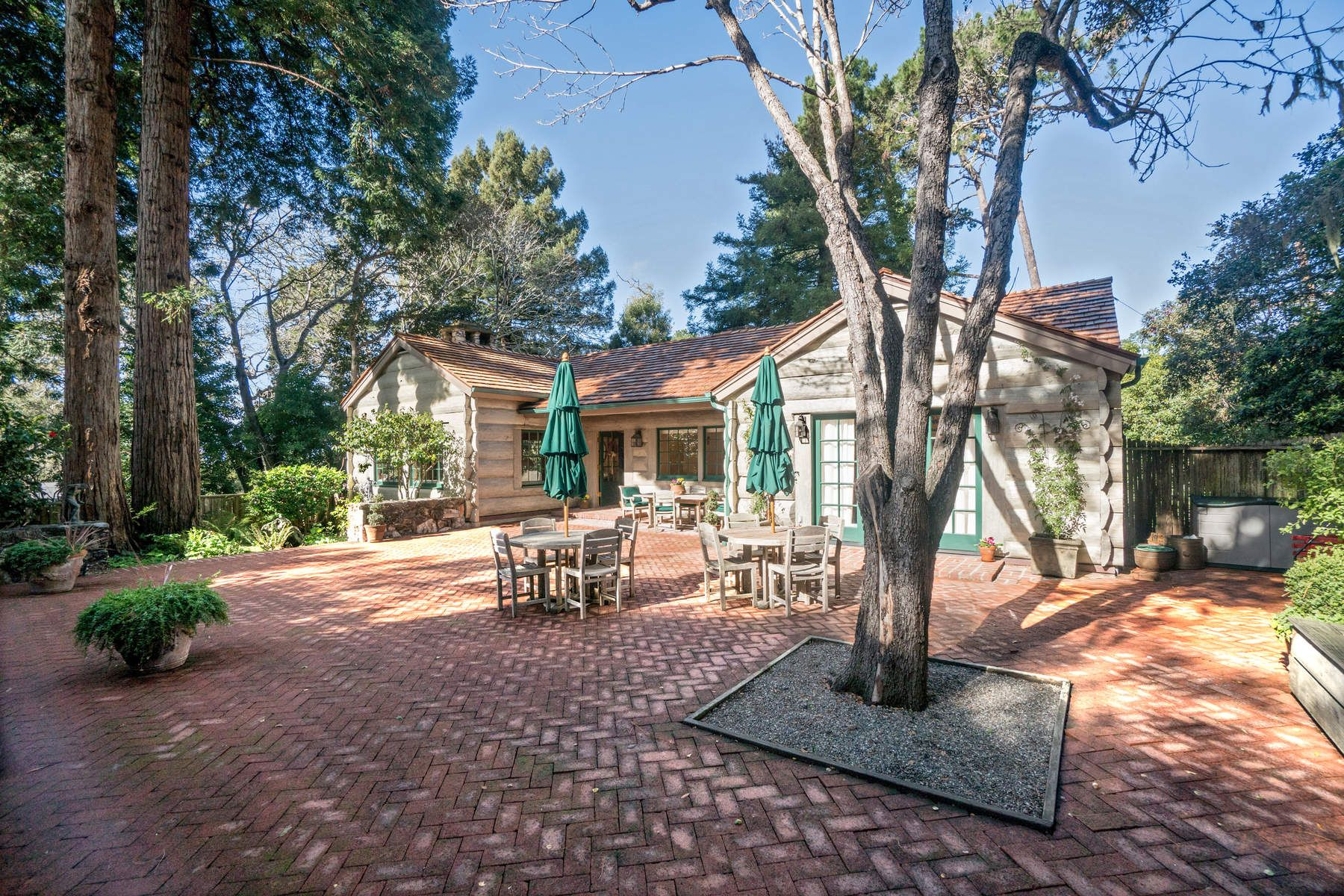 واحد منزل الأسرة للـ Sale في Cabinwood in Carmel-by-the-Sea 0 Palou 11 Nw Casanova Carmel By The Sea, California 93921 United States