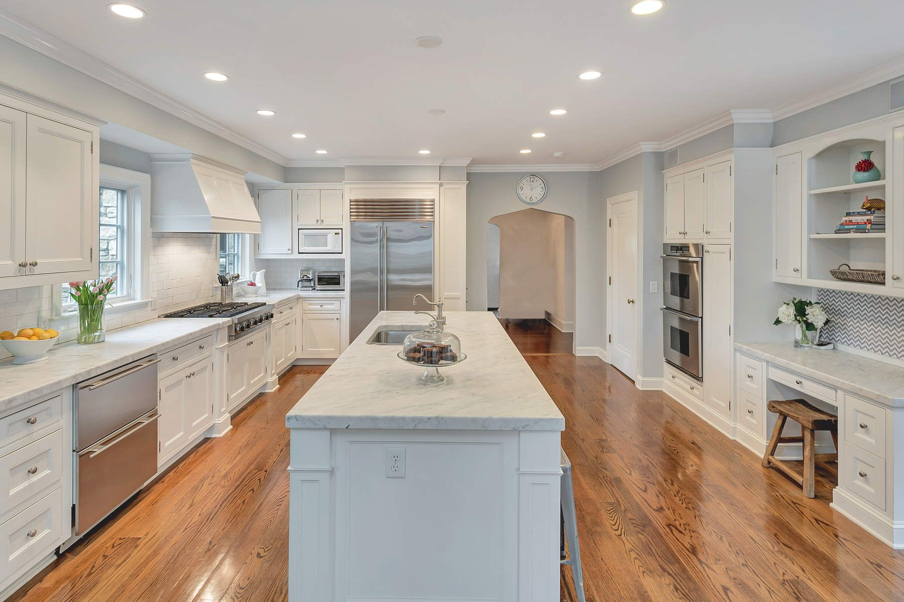 Single Family Home for Sale at 1 Old Club House 1 Old Club House Road Old Greenwich, Connecticut 06870 United States