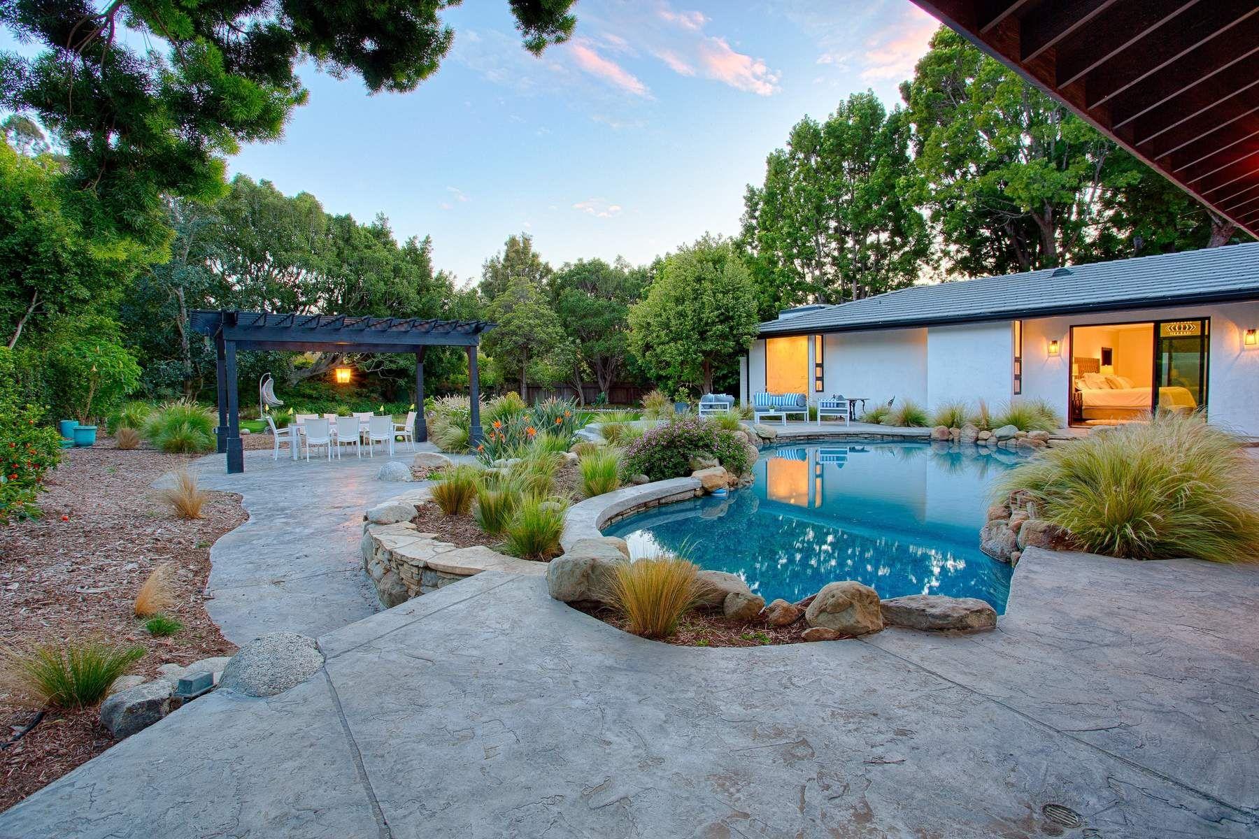 واحد منزل الأسرة للـ Sale في 23146 Mariposa De Oro St. 23146 Mariposa De Oro Street Malibu, California 90265 United States