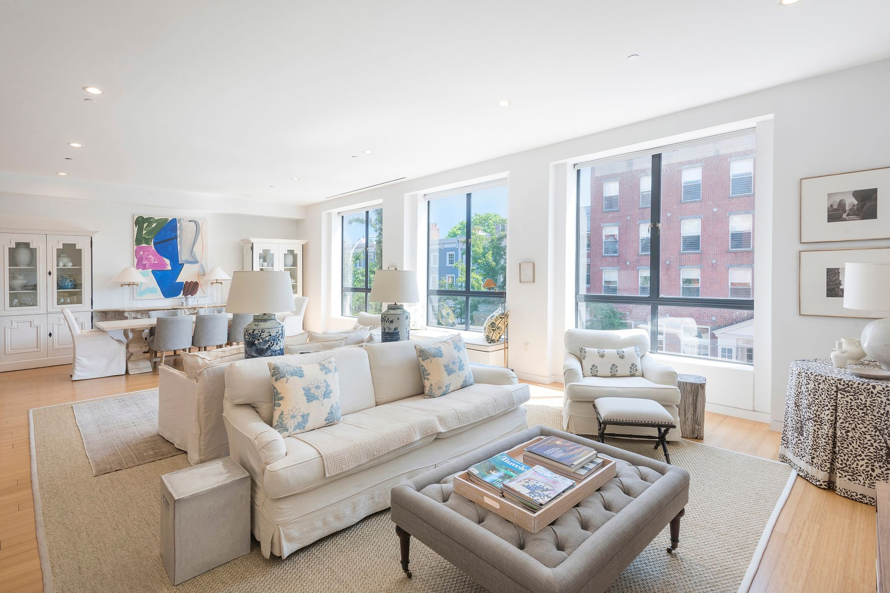 Condominio por un Alquiler en Sprawling 3-Bedroom with Private Terrace 17 Bergen Street Apt 2 Brooklyn, Nueva York 11201 Estados Unidos