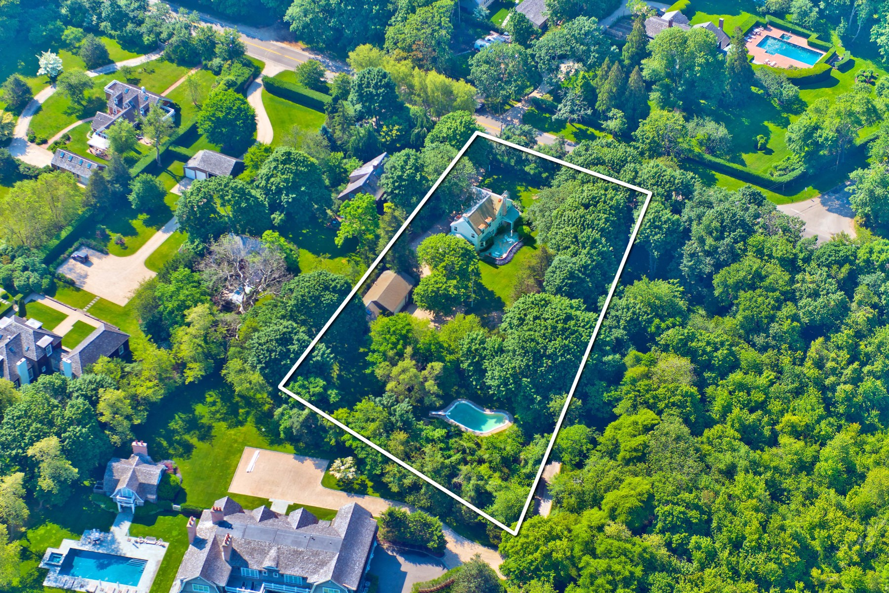 Moradia para Venda às 1+/- Acres, Bridgehampton South Bridgehampton, Nova York, 11932 Estados Unidos