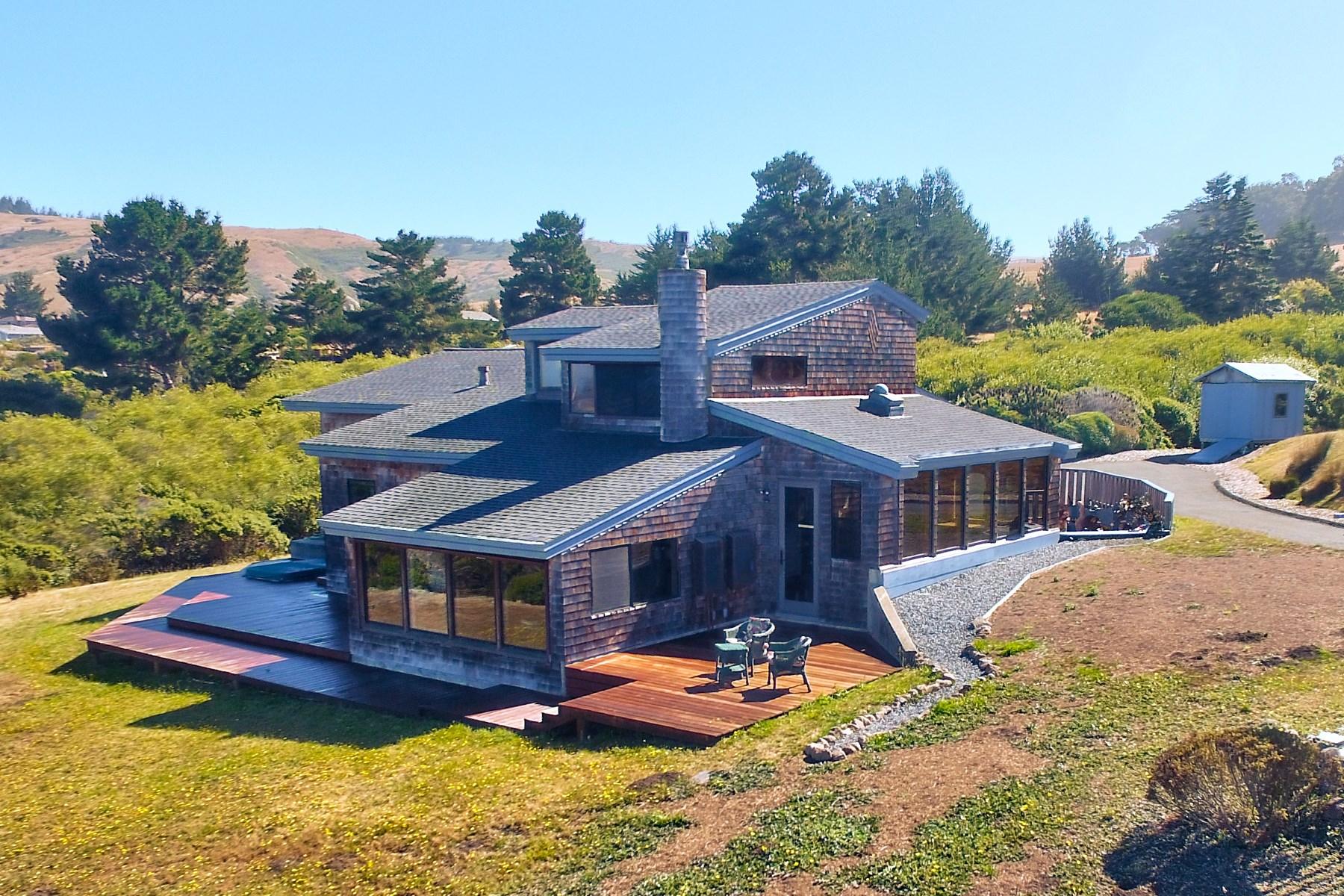 واحد منزل الأسرة للـ Sale في Coveted Sonoma Coast Hideaway 411 Los Santos Dr Bodega Bay, California 94923 United States