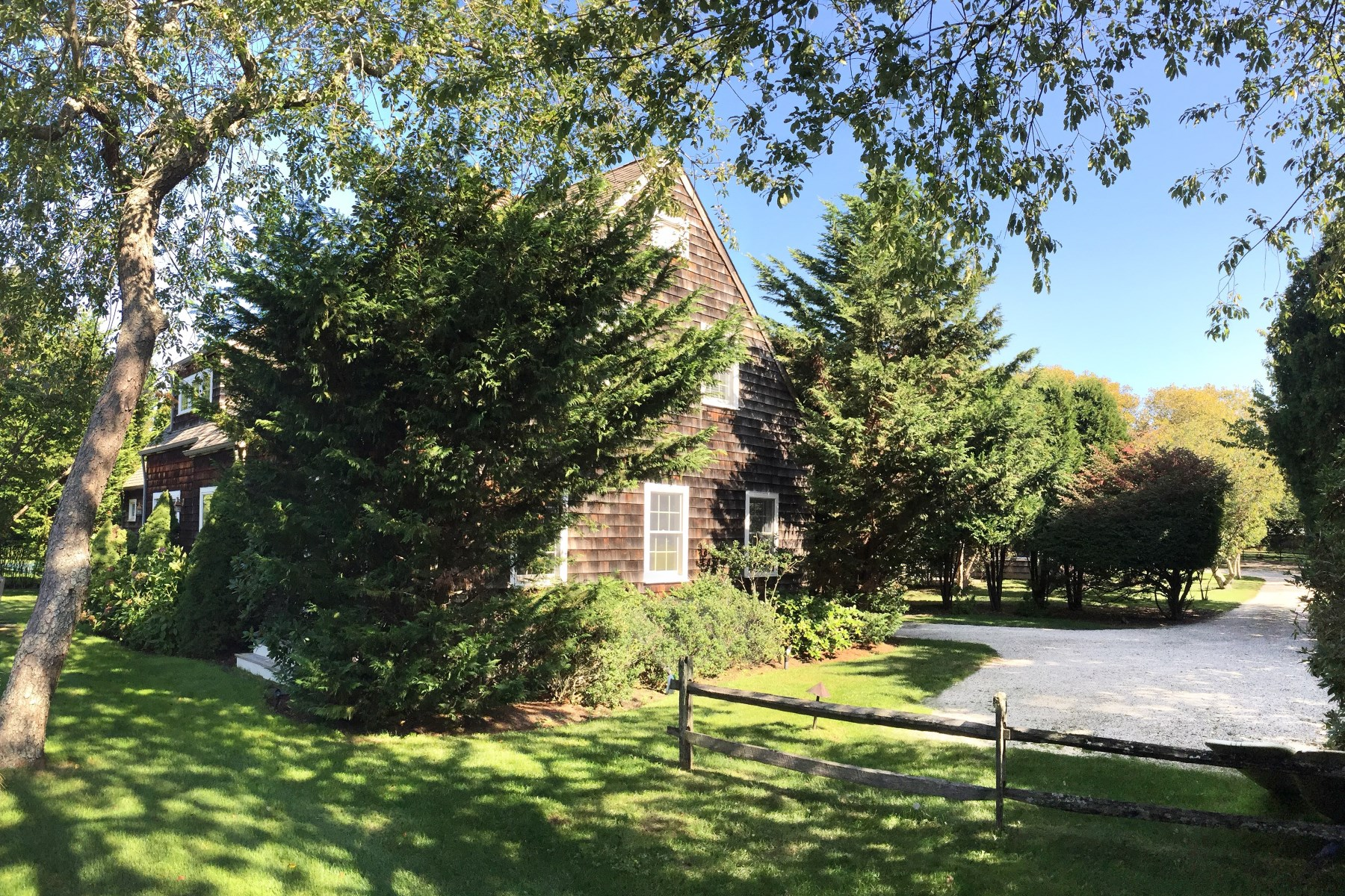 Single Family Home for Rent at Private Hedges Lane Cape 86B Hedges Lane Amagansett, New York 11930 United States