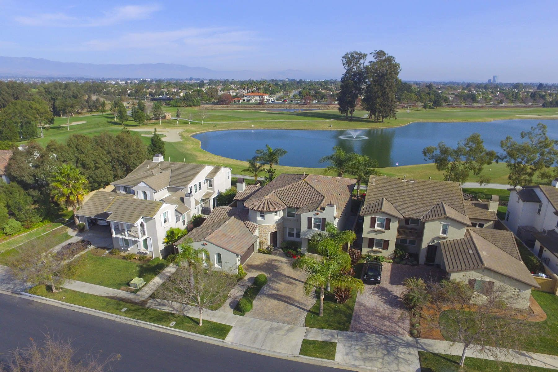 Vivienda unifamiliar por un Venta en Premium Golf Course View 3375 Dove Canyon Drive, Oxnard, California, 93036 Estados Unidos
