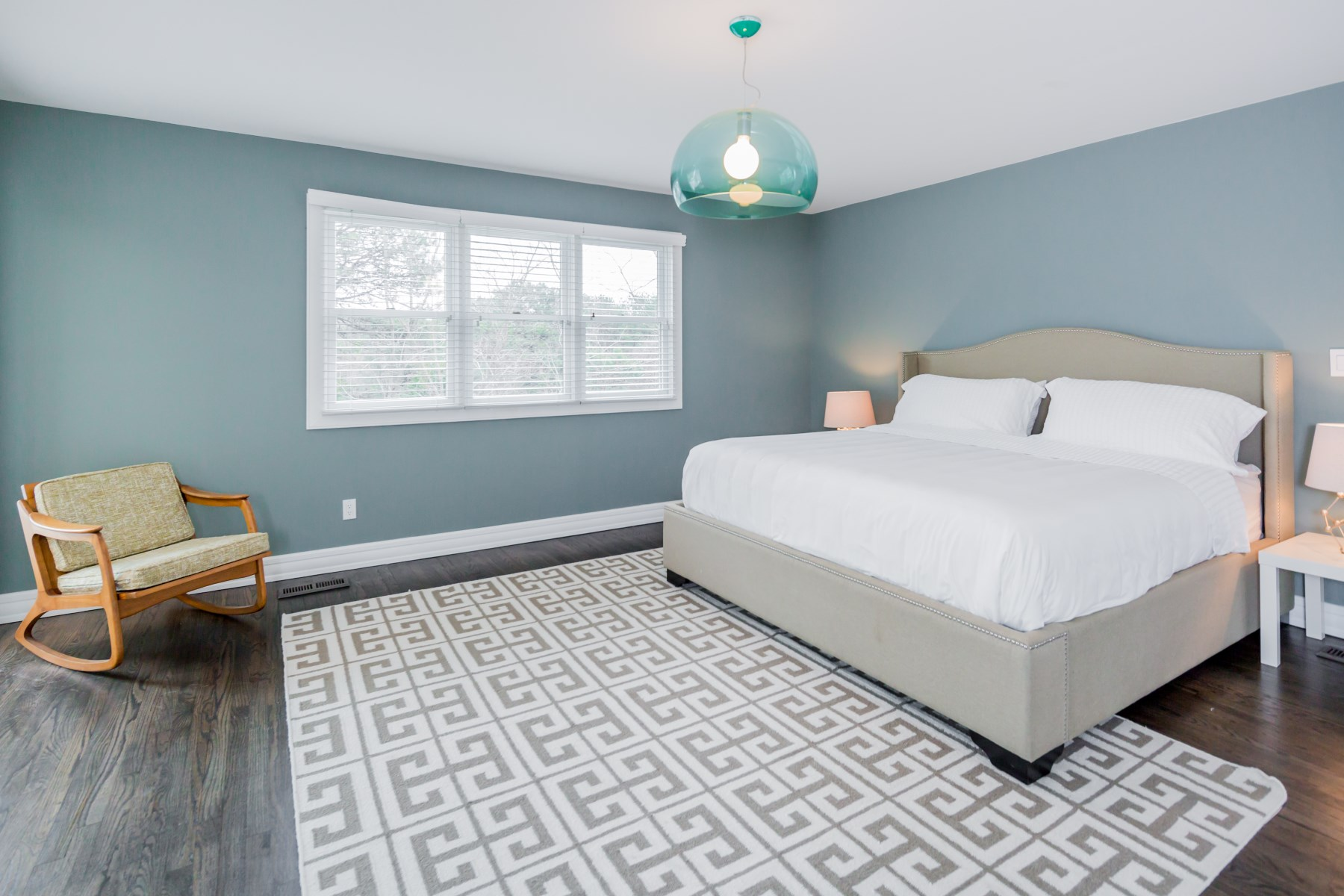 Additional photo for property listing at Modern Rental in Southampton 4 Peconic View Ct Southampton, New York 11968 United States