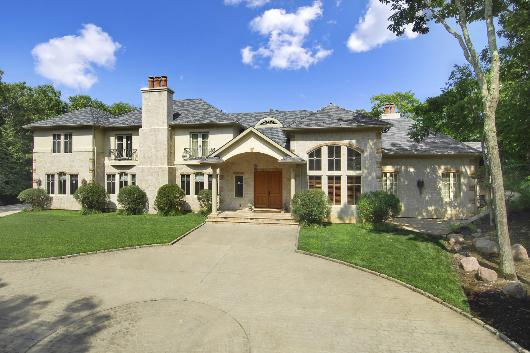 Additional photo for property listing at Bridgehampton Luxury, Pool & Court  Bridgehampton, New York 11932 United States