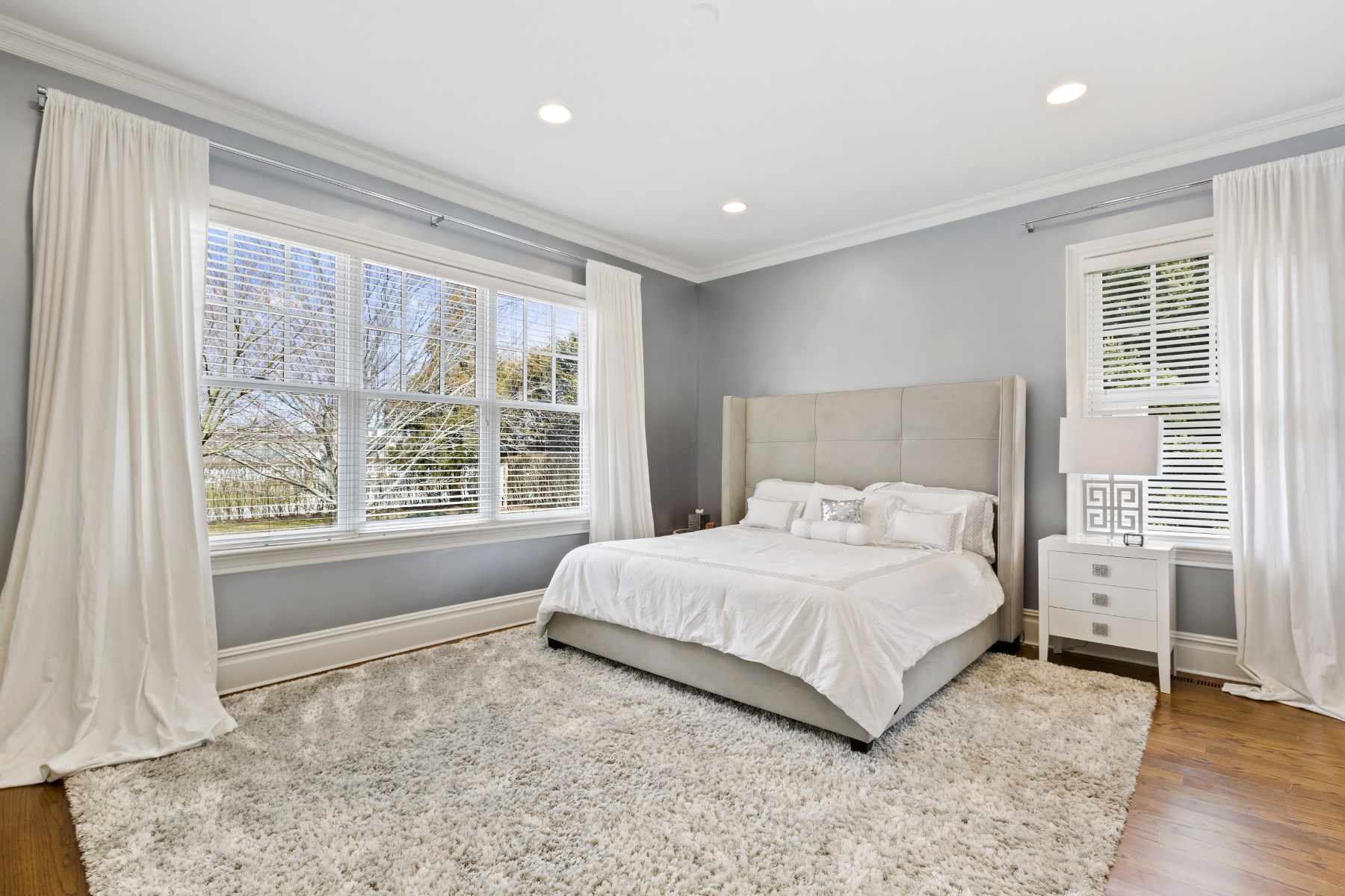 Additional photo for property listing at Beautiful Bridgehampton Traditional  Bridgehampton, New York 11976 United States