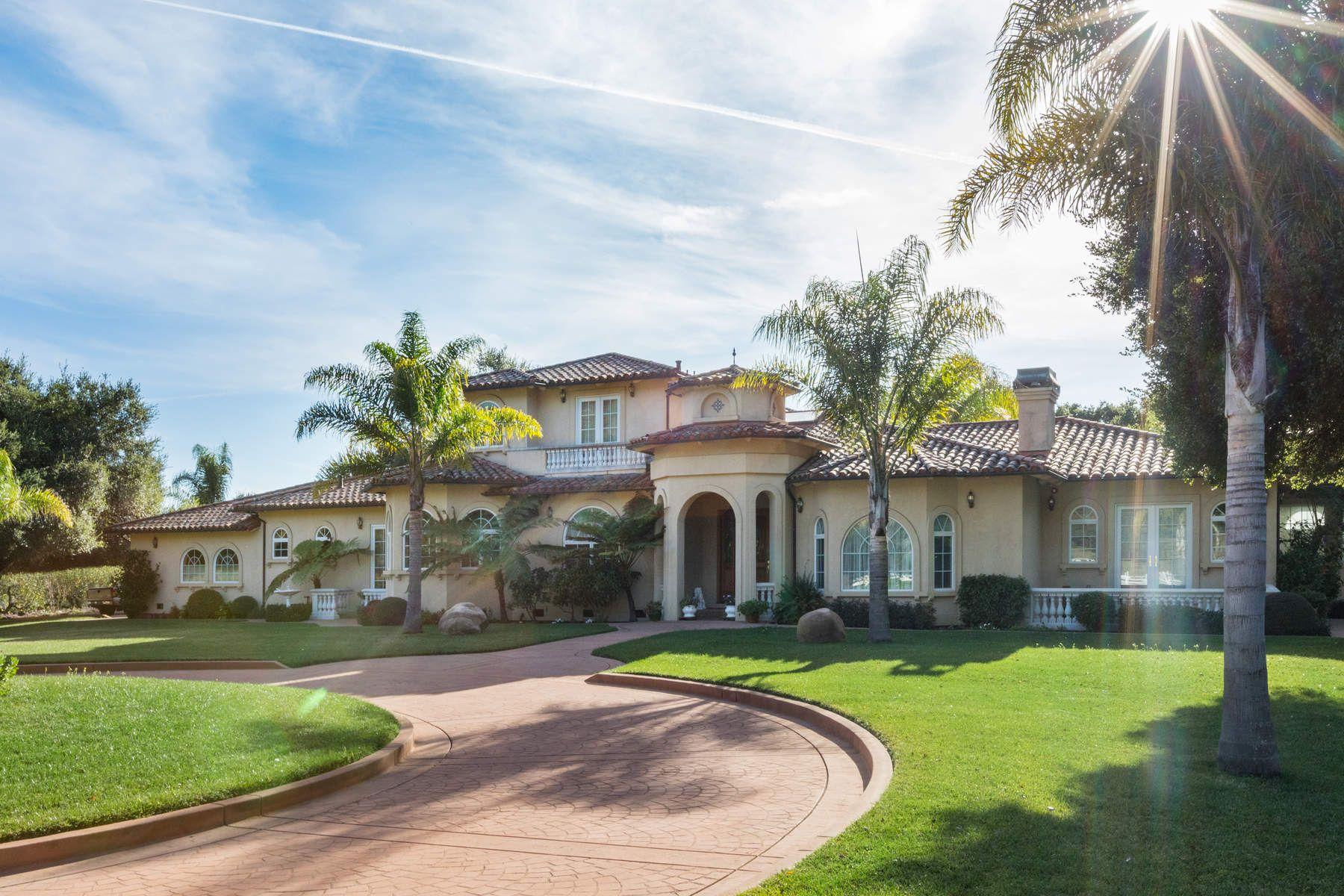 Частный односемейный дом для того Продажа на Fabulous Country Estate of 60+ acres 120 Hazel Dell Heights Watsonville, Калифорния 95076 Соединенные Штаты