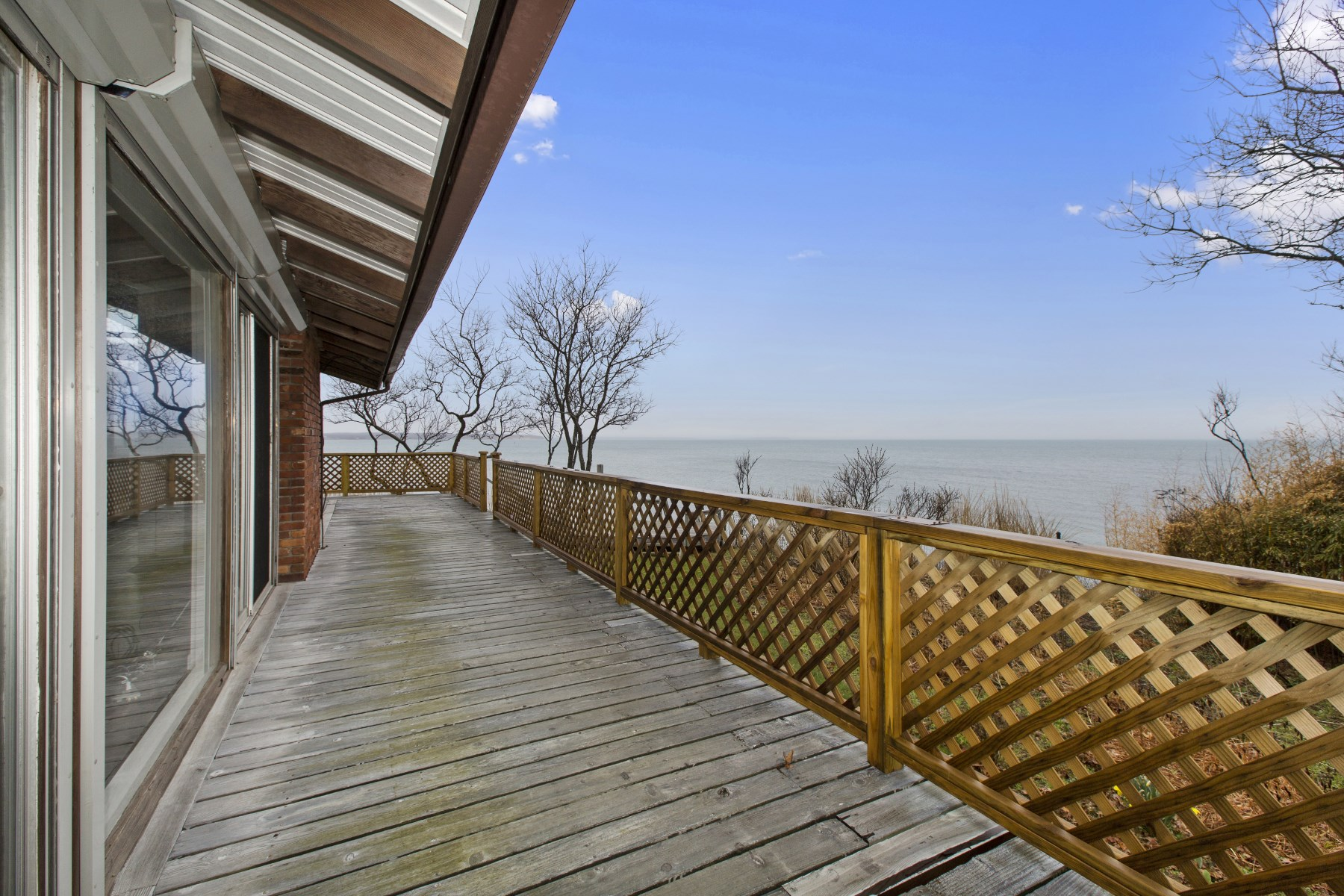 Additional photo for property listing at Bayfront Sunsets 120 Runnymeade Drive East Hampton, New York 11937 United States