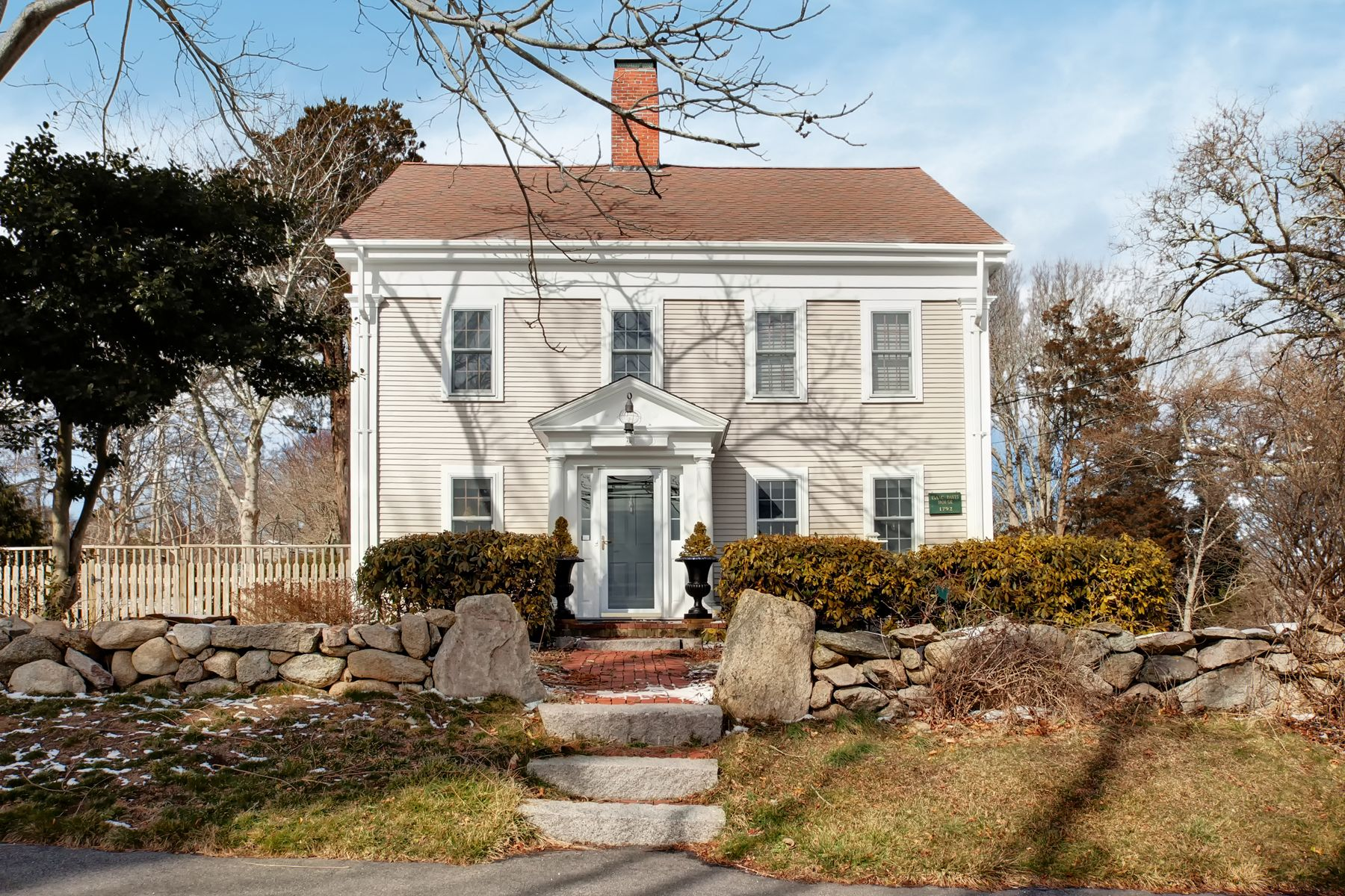 Single Family Homes por un Venta en 3688 Main Street Barnstable, Massachusetts 02030 Estados Unidos