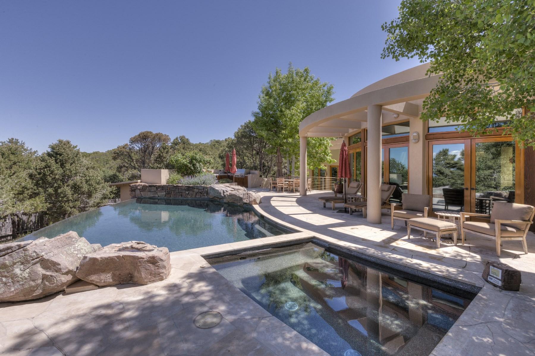 Nhà ở một gia đình vì Bán tại 1056 Sierra Del Norte Santa Fe City Northeast, Santa Fe, New Mexico, 87501 Hoa Kỳ