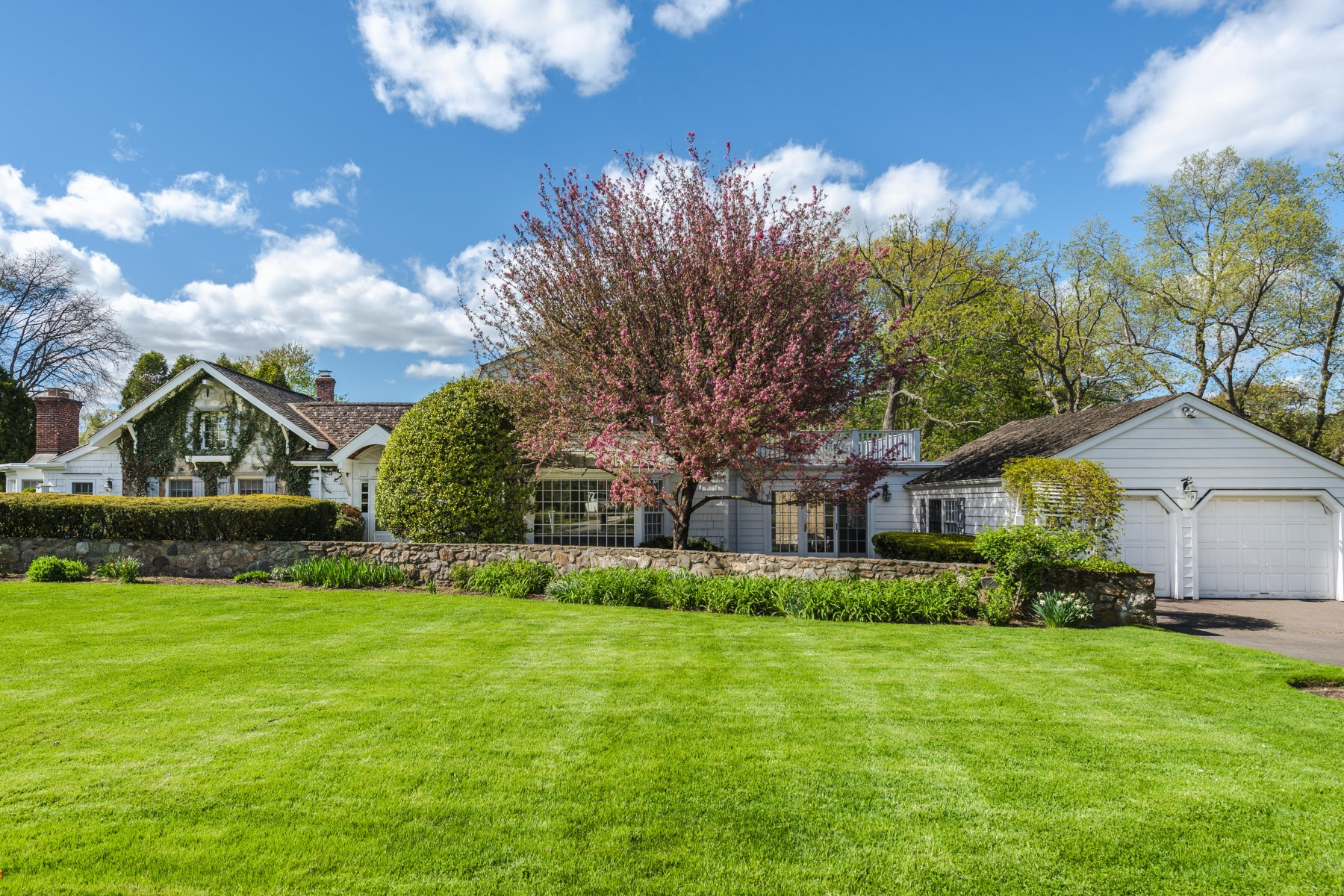 Casa Unifamiliar por un Venta en 11 Highgate Road Riverside, Connecticut, 06878 Estados Unidos