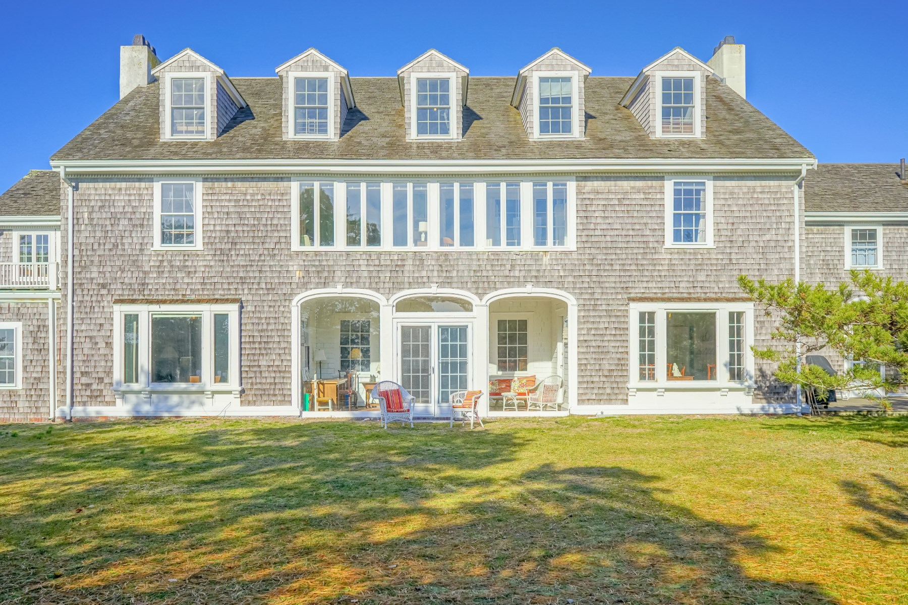 Single Family Home for Active at 979 Sea View Avenue, Osterville, MA 979 Sea View Avenue Osterville, Massachusetts 02655 United States