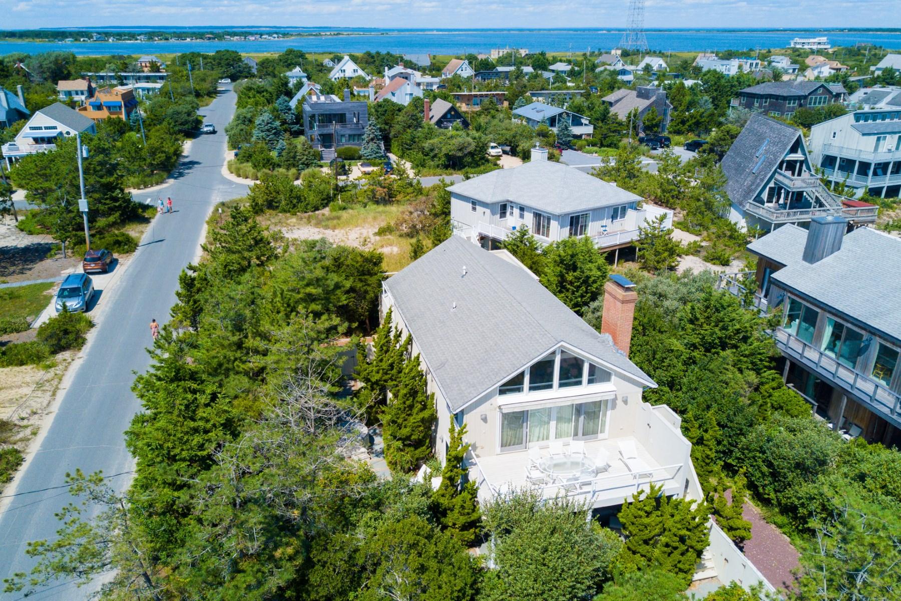 Maison unifamiliale pour l Vente à White Sands 51 Shore Road Amagansett, New York, 11930 États-Unis