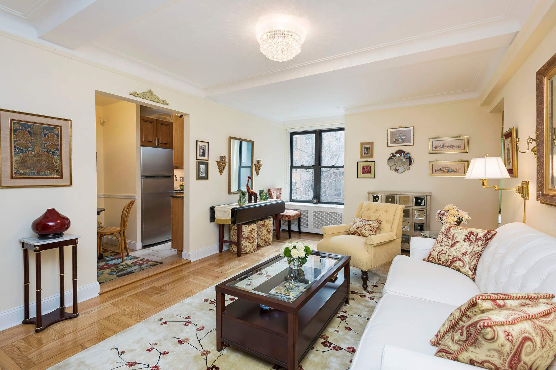تعاوني للـ Sale في Midtown East - Coveted Pre-War 333 East 53rd Street Apt 3F, Midtown East, New York, New York, 10022 United States