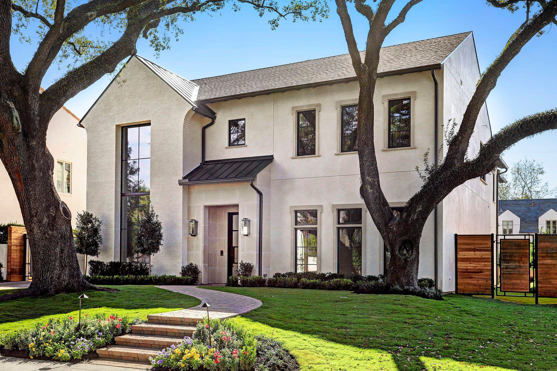 واحد منزل الأسرة للـ Sale في 3609 Meadow Lake Lane Houston, Texas, 77027 United States