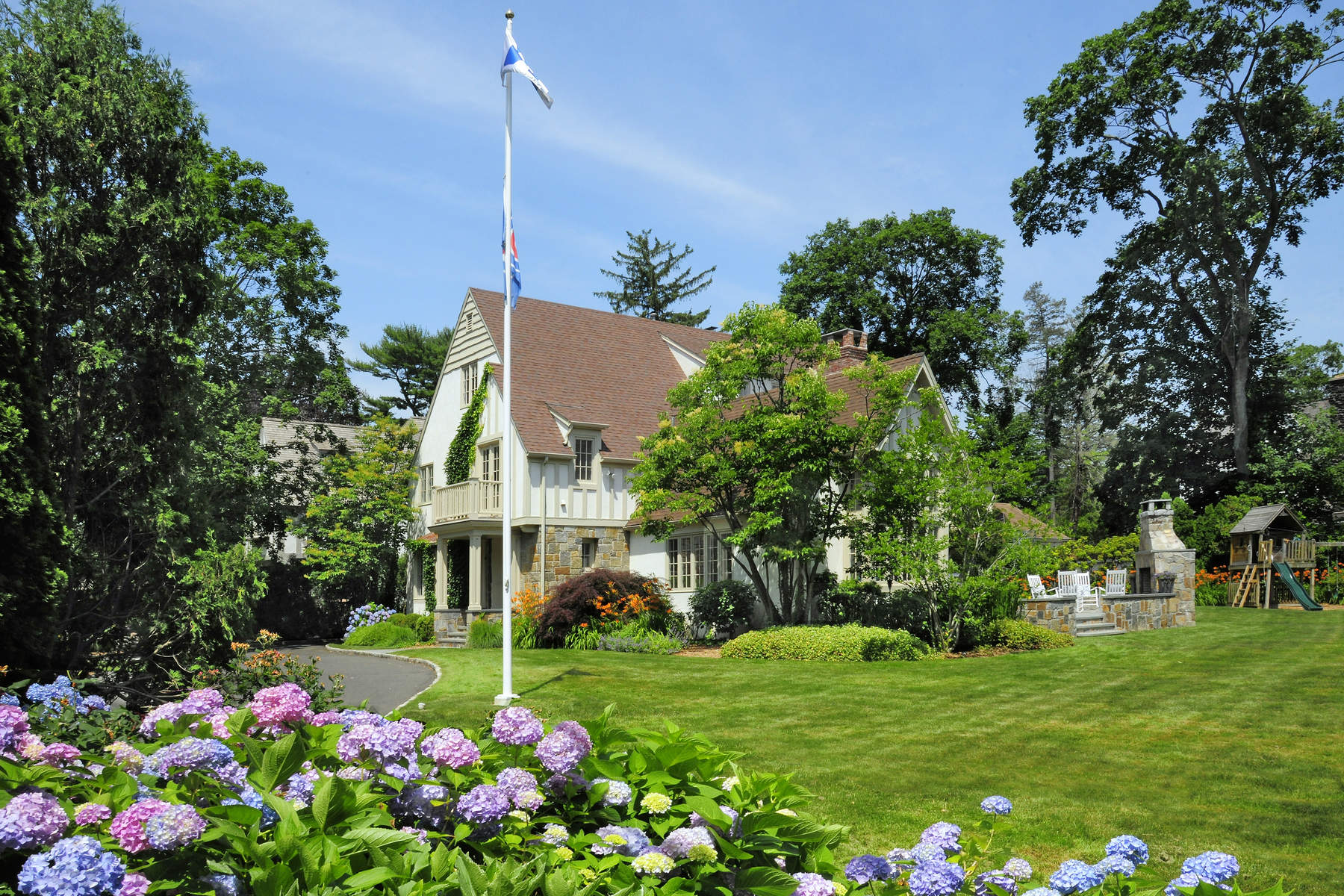 Single Family Home for Sale at 1 Vista Avenue Old Greenwich, Connecticut, 06870 United States