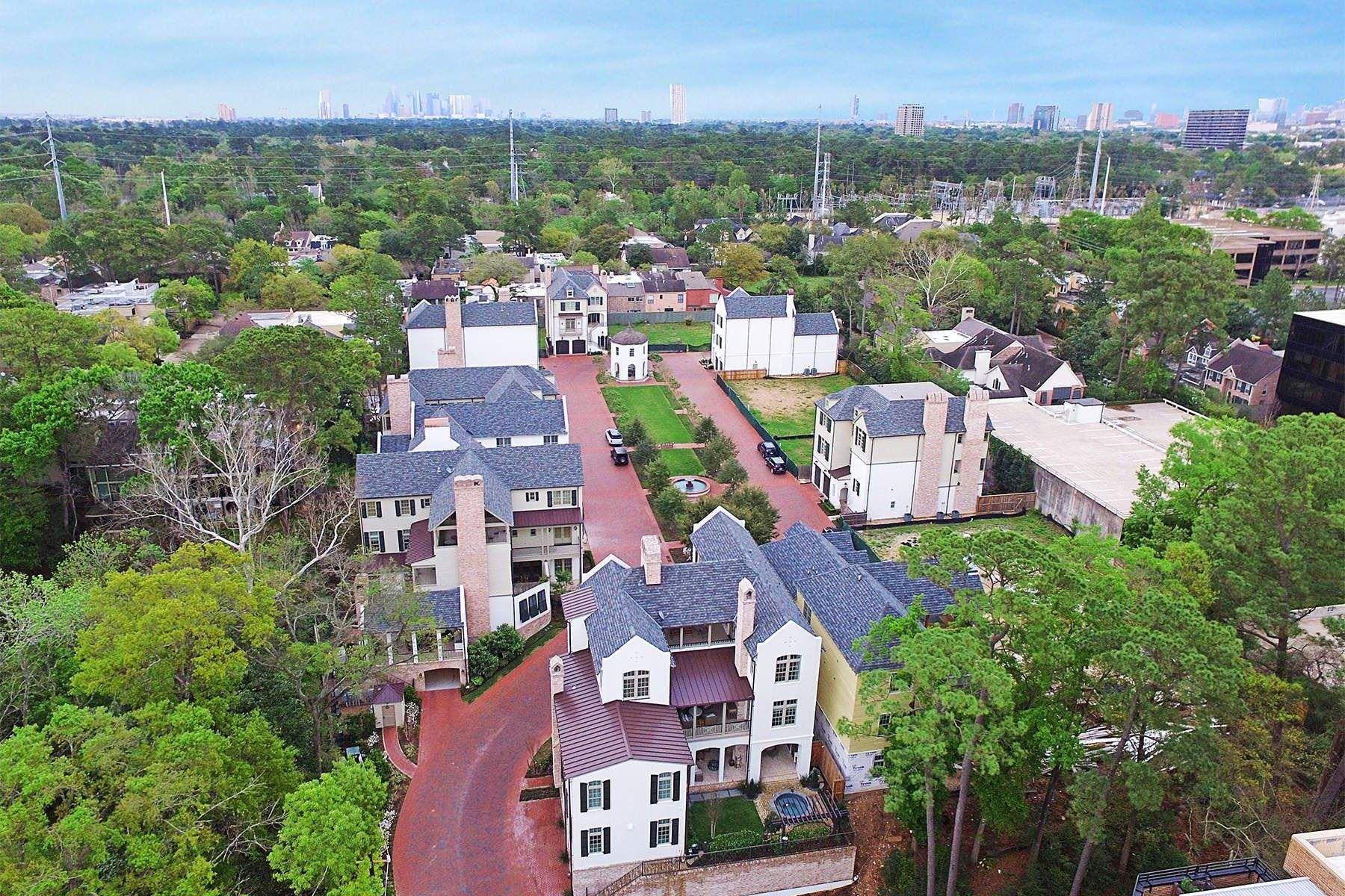 独户住宅 为 销售 在 28 Audubon Hollow 休斯顿, 得克萨斯州, 77027 美国