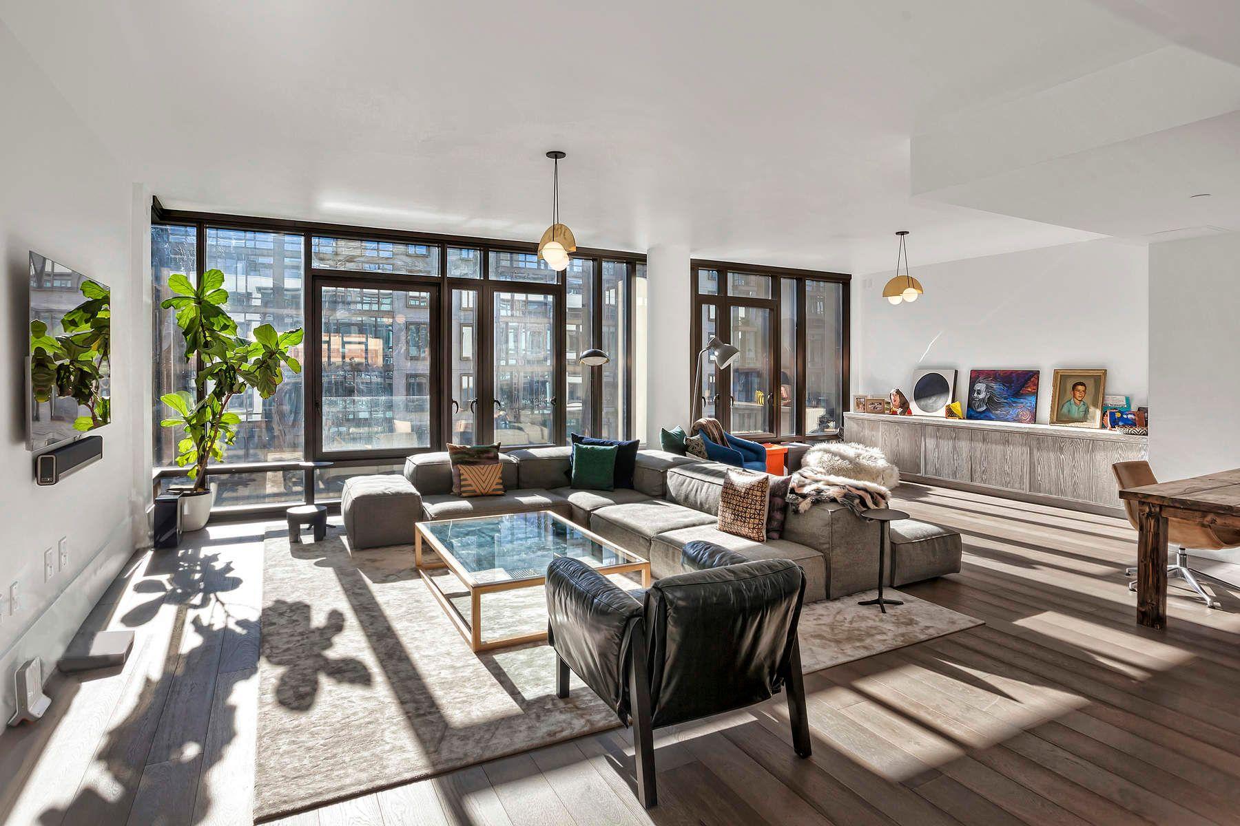 Condominio por un Alquiler en Sprawling, Sun-Drenched Oosten Loft 60 South 8th Street Apt L55 Brooklyn, Nueva York 11249 Estados Unidos