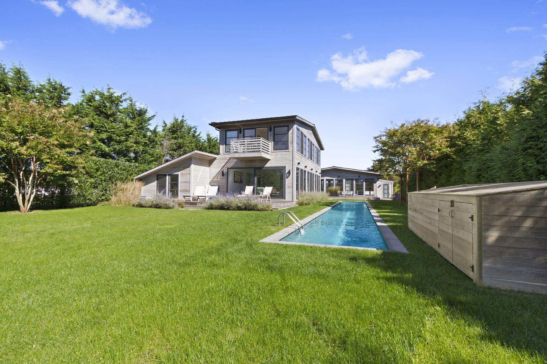 Maison unifamiliale pour l Vente à Modern Compound, Immediate Ocean Access 108 Town Line Road Sagaponack South, Sagaponack, New York, 11962 États-Unis
