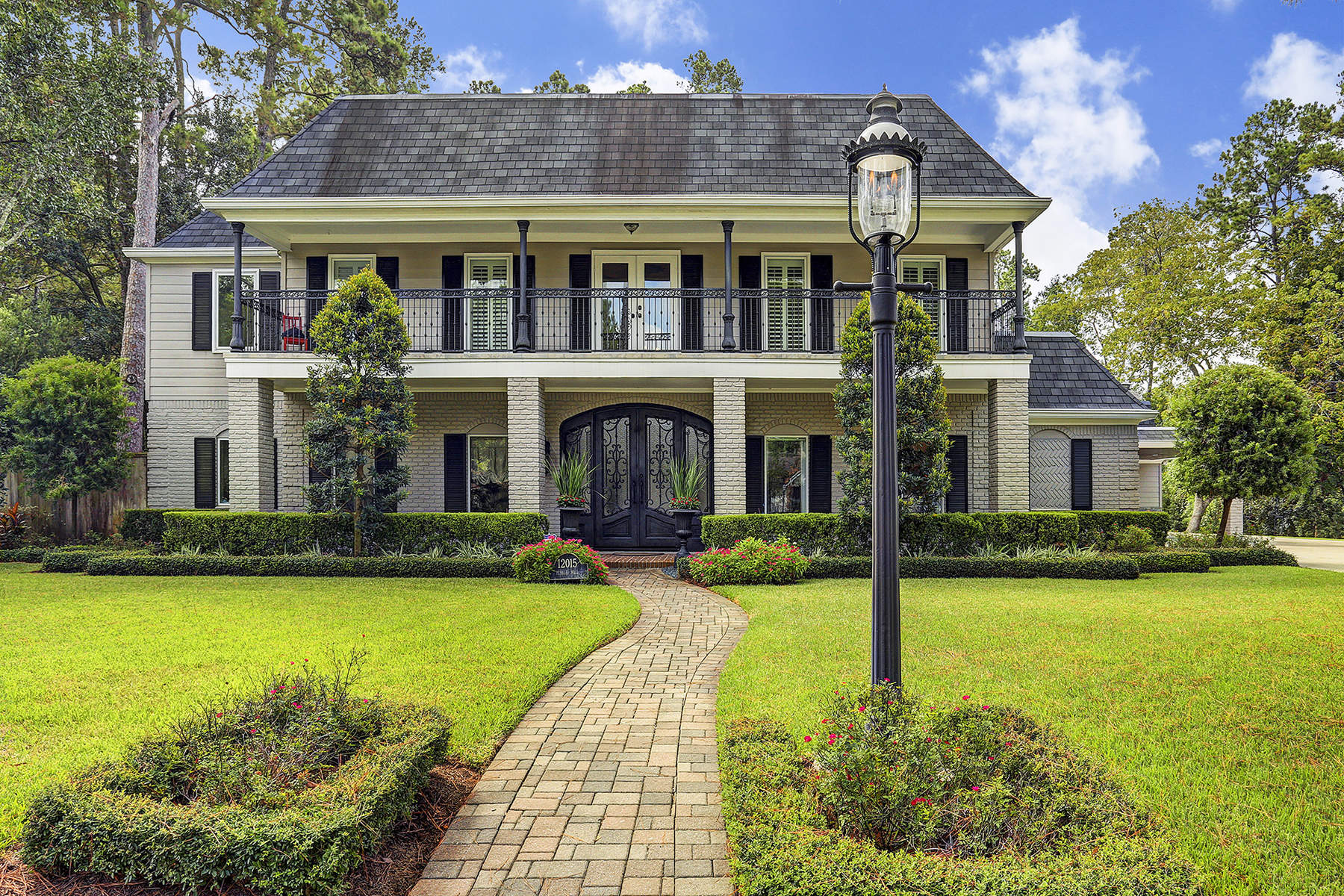 Single Family Home for Sale at 12015 Pebble Hill 12015 Pebble Hill Bunker Hill Village, Texas 77024 United States